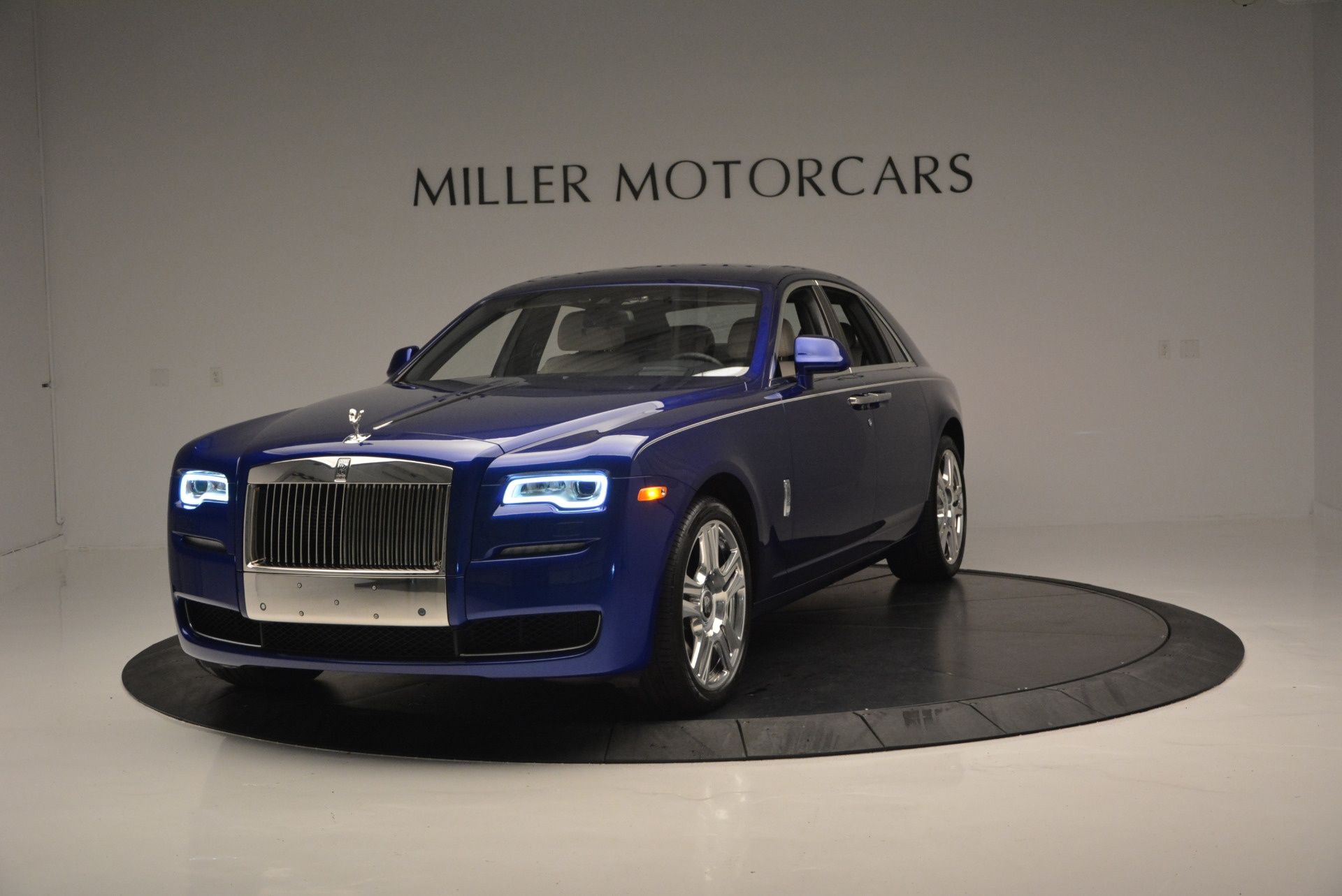 Used 2016 ROLLS-ROYCE GHOST SERIES II  For Sale In Greenwich, CT 634_p2