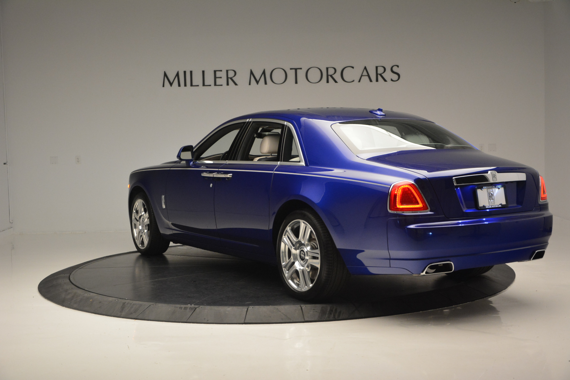 Used 2016 ROLLS-ROYCE GHOST SERIES II  For Sale In Greenwich, CT 634_p6