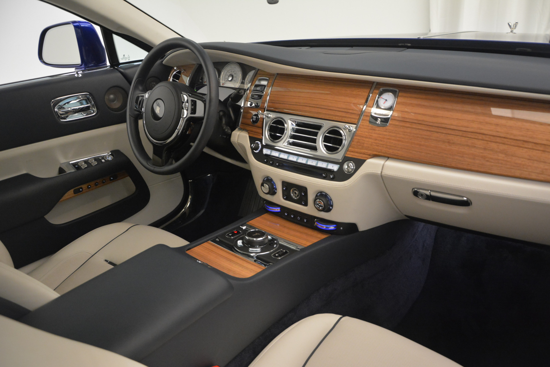 Used 2016 Rolls-Royce Wraith  For Sale In Greenwich, CT 635_p31