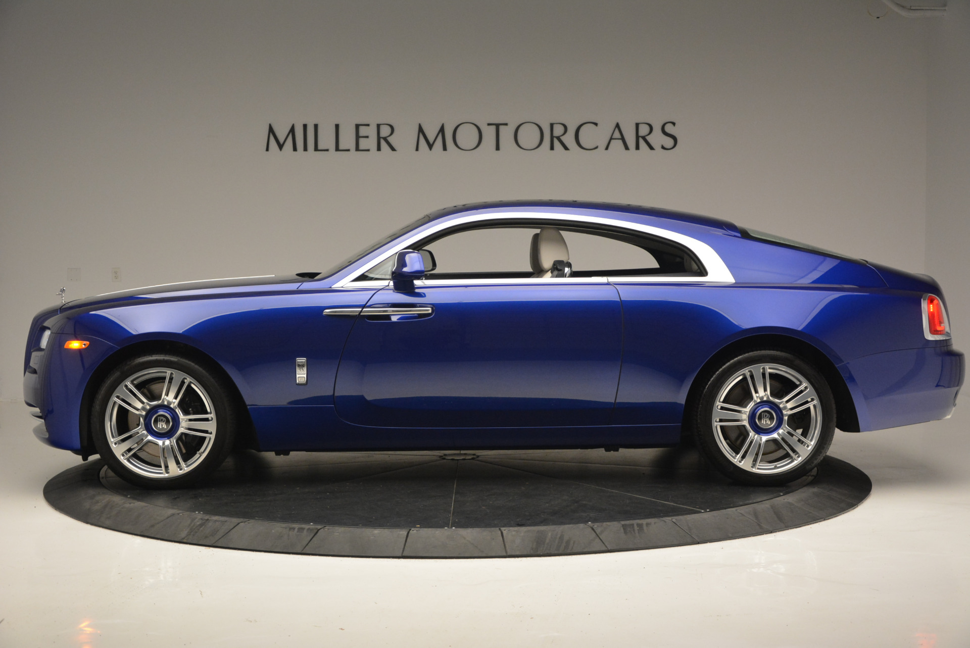 Used 2016 Rolls-Royce Wraith  For Sale In Greenwich, CT 635_p4