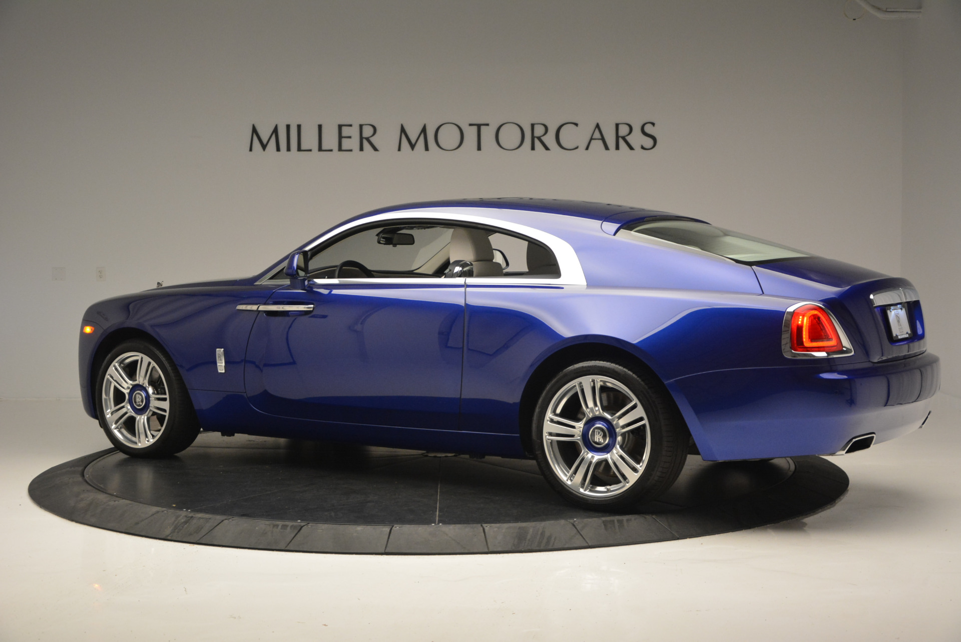 Used 2016 Rolls-Royce Wraith  For Sale In Greenwich, CT 635_p5