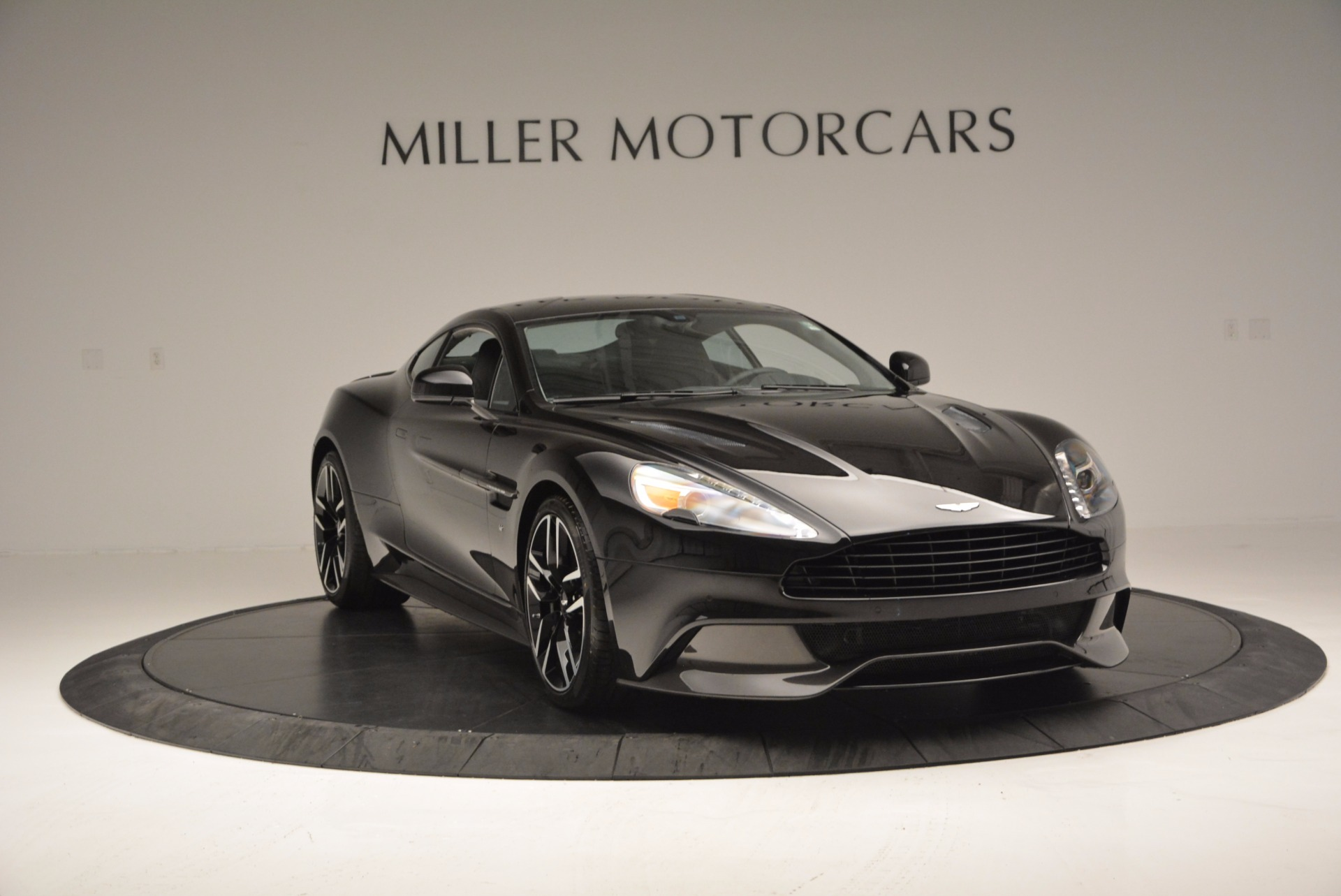 Used 2017 Aston Martin Vanquish Coupe For Sale In Greenwich, CT 638_p11