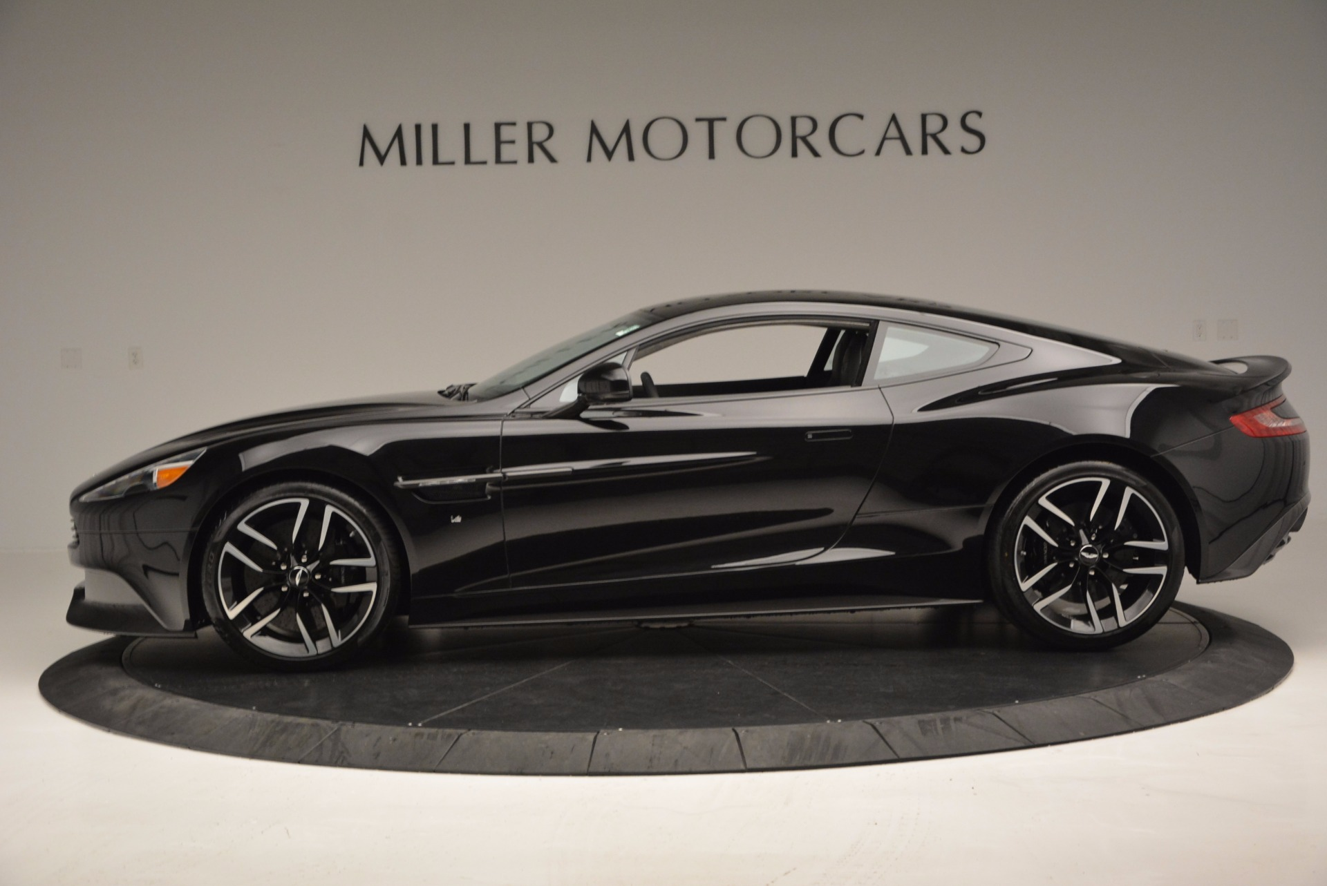 Used 2017 Aston Martin Vanquish Coupe For Sale In Greenwich, CT 638_p3