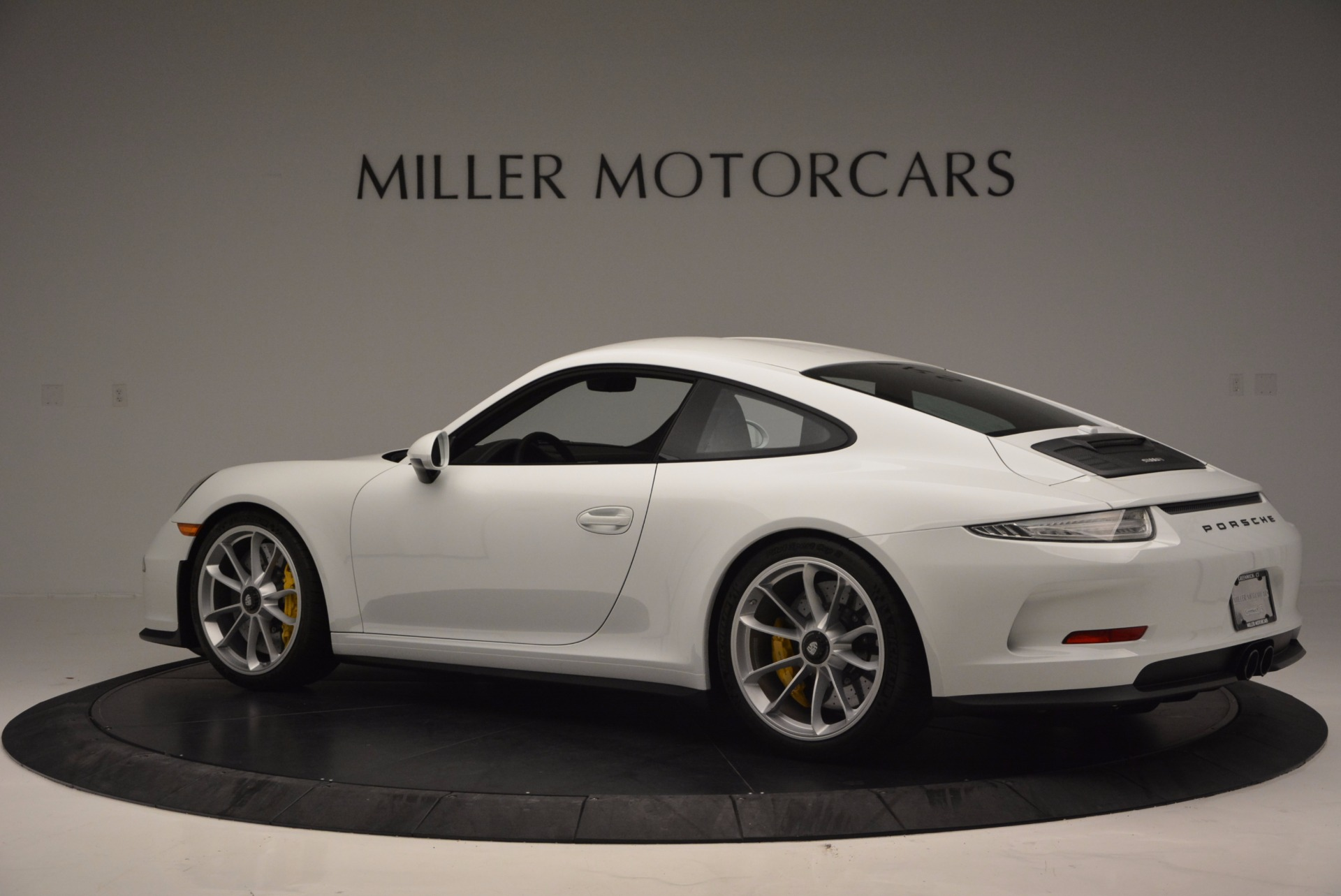 Used 2016 Porsche 911 R  For Sale In Greenwich, CT 643_p4