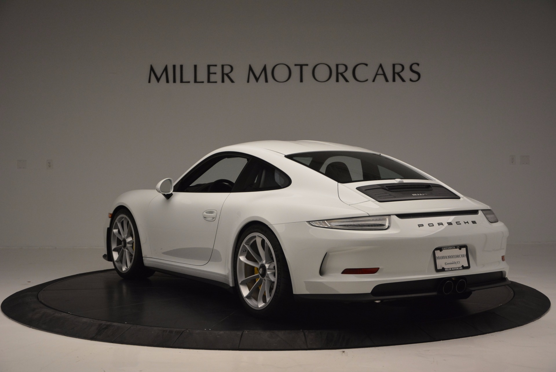 Used 2016 Porsche 911 R  For Sale In Greenwich, CT 643_p5
