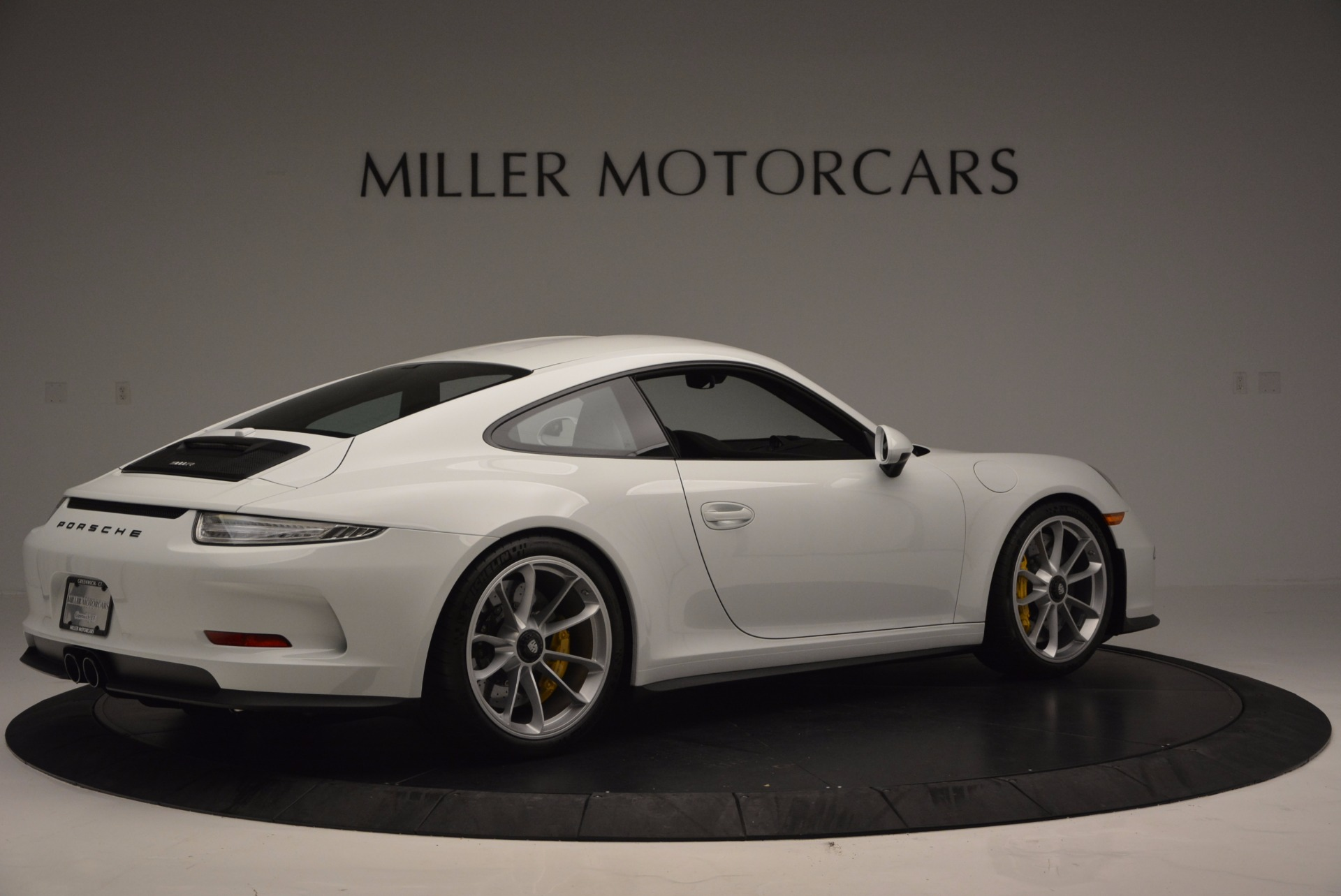 Used 2016 Porsche 911 R  For Sale In Greenwich, CT 643_p9