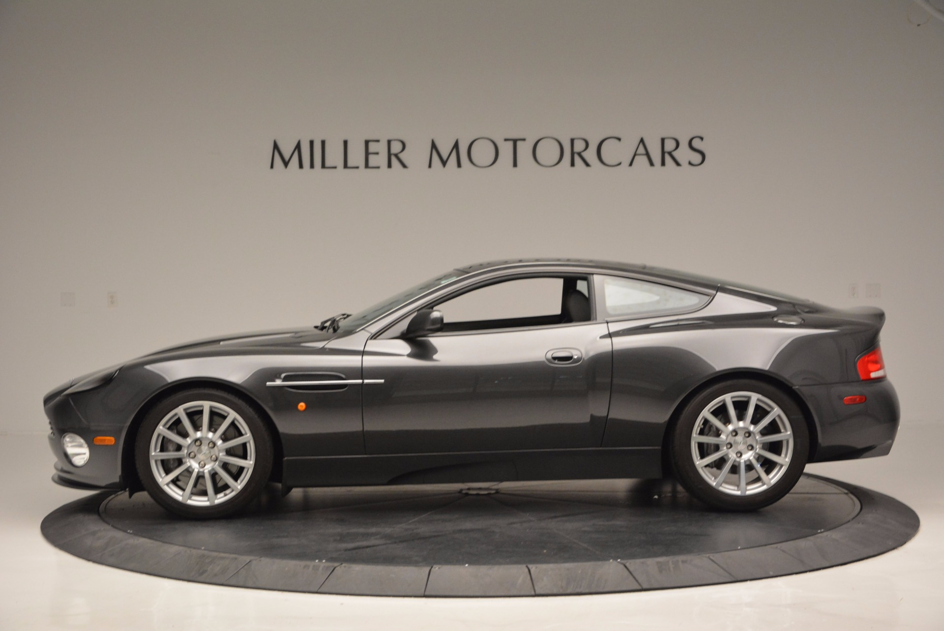 Used 2005 Aston Martin V12 Vanquish S For Sale In Greenwich, CT 645_p3