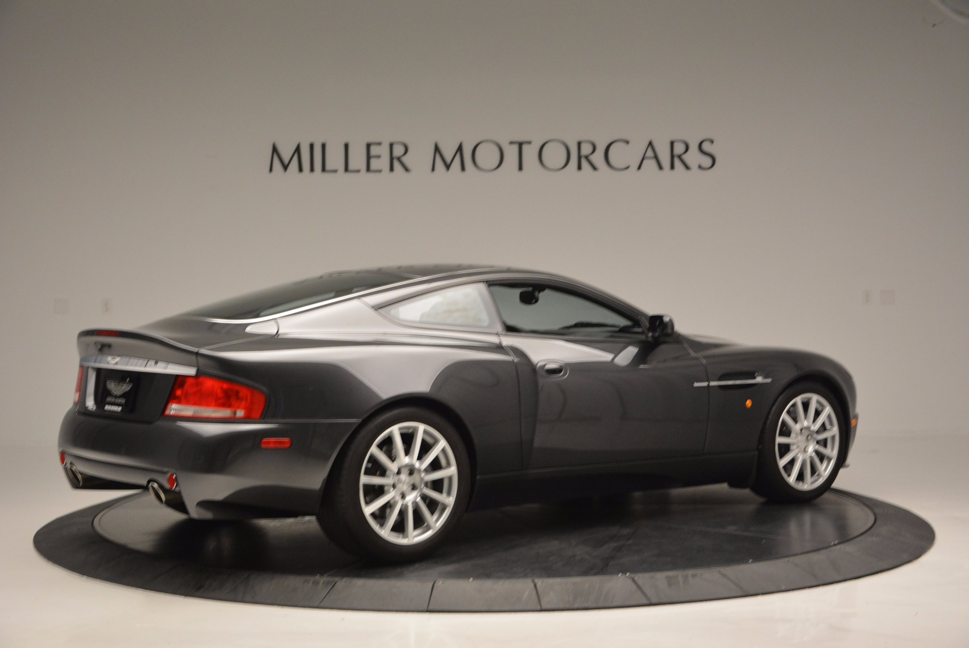 Used 2005 Aston Martin V12 Vanquish S For Sale In Greenwich, CT 645_p8