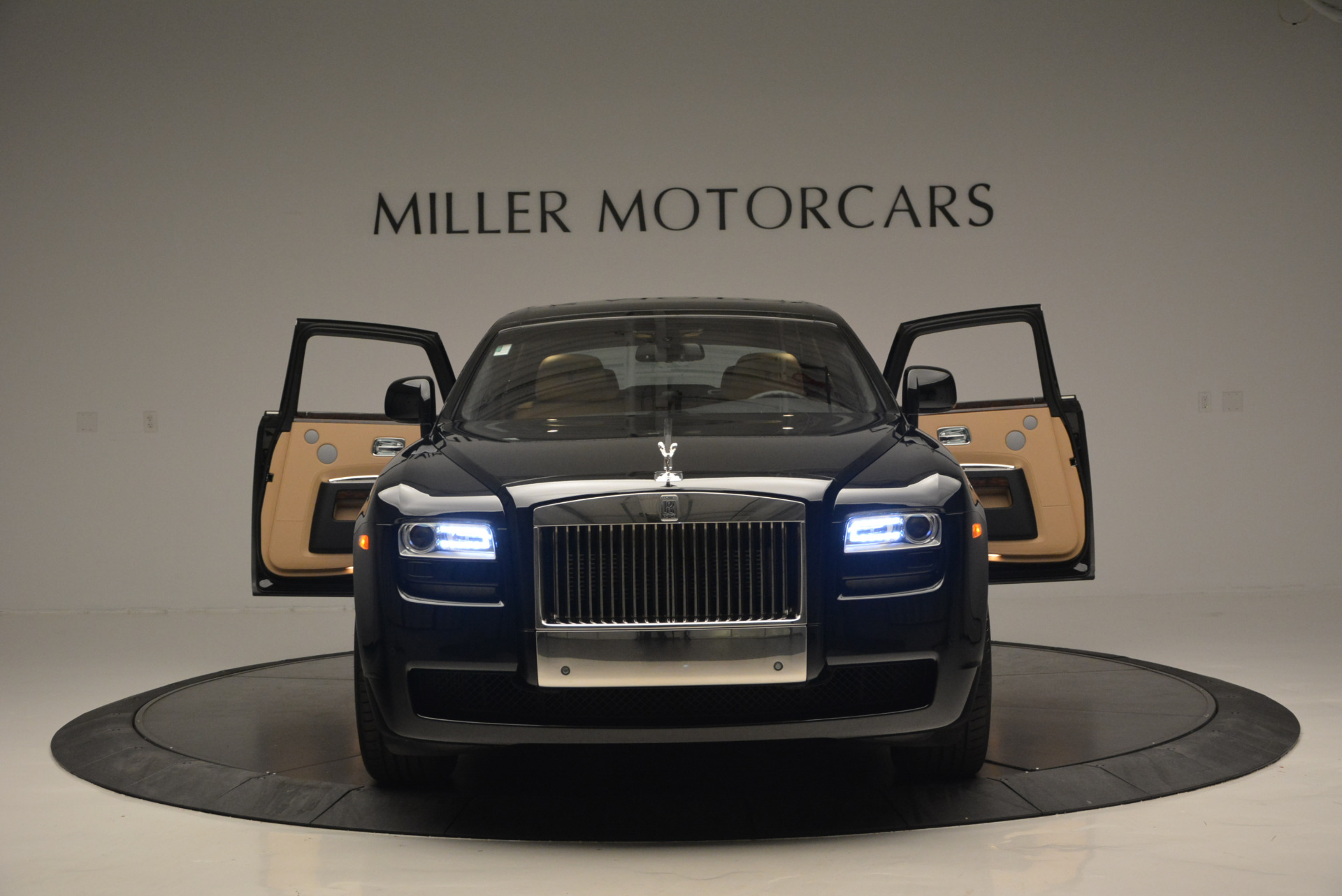 Used 2011 Rolls-Royce Ghost  For Sale In Greenwich, CT 648_p14