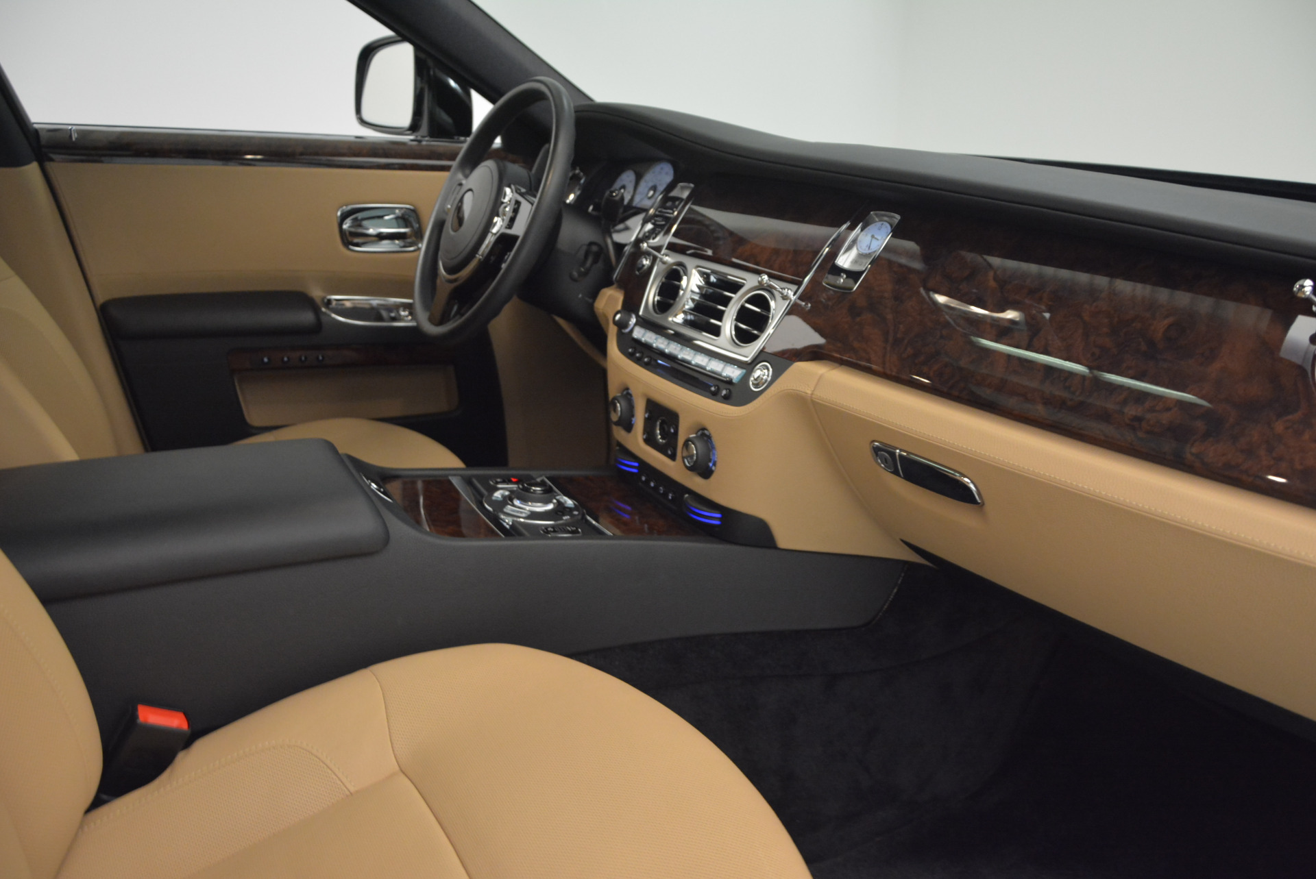 Used 2011 Rolls-Royce Ghost  For Sale In Greenwich, CT 648_p27
