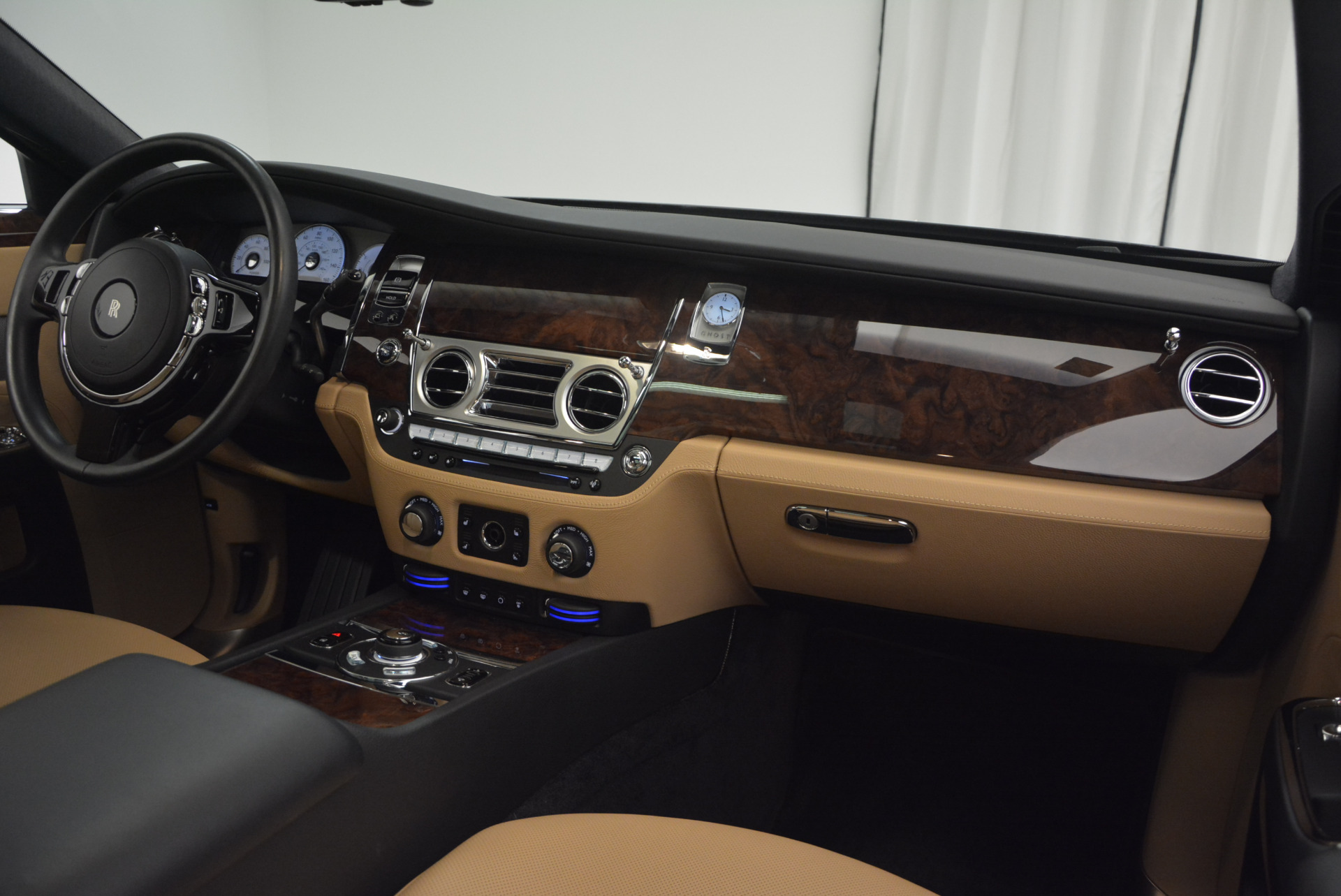 Used 2011 Rolls-Royce Ghost  For Sale In Greenwich, CT 648_p29