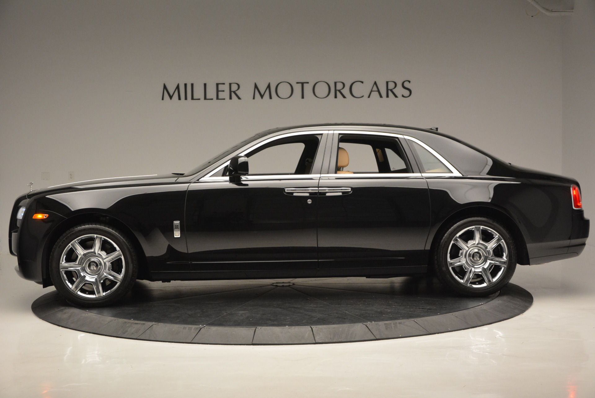 Used 2011 Rolls-Royce Ghost  For Sale In Greenwich, CT 648_p4