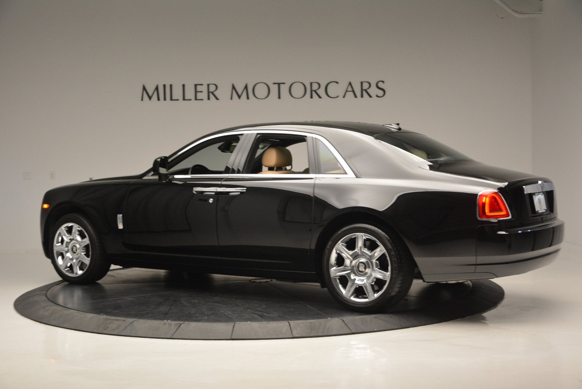Used 2011 Rolls-Royce Ghost  For Sale In Greenwich, CT 648_p5
