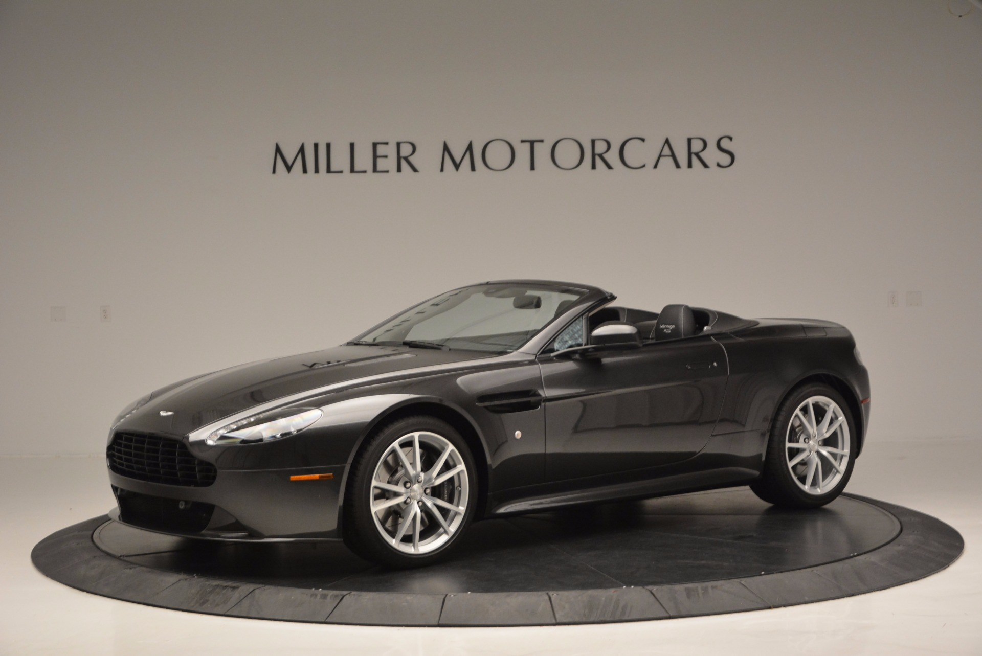 Used 2016 Aston Martin V8 Vantage S Roadster For Sale In Greenwich, CT 652_p2