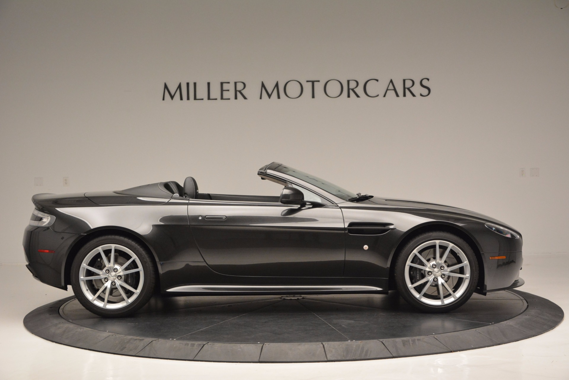 Used 2016 Aston Martin V8 Vantage S Roadster For Sale In Greenwich, CT 652_p8