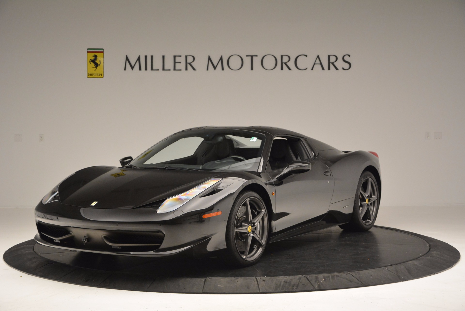 Used 2015 Ferrari 458 Spider  For Sale In Greenwich, CT 660_p13