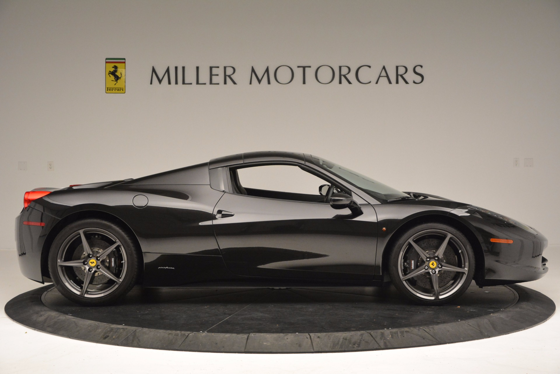 Used 2015 Ferrari 458 Spider  For Sale In Greenwich, CT 660_p21