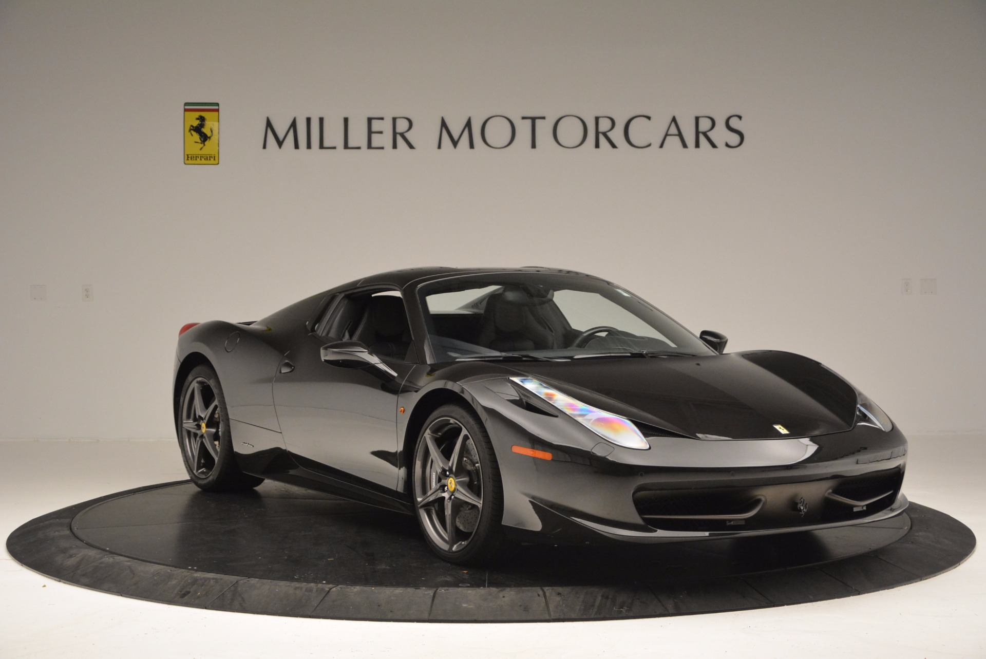 Used 2015 Ferrari 458 Spider  For Sale In Greenwich, CT 660_p23