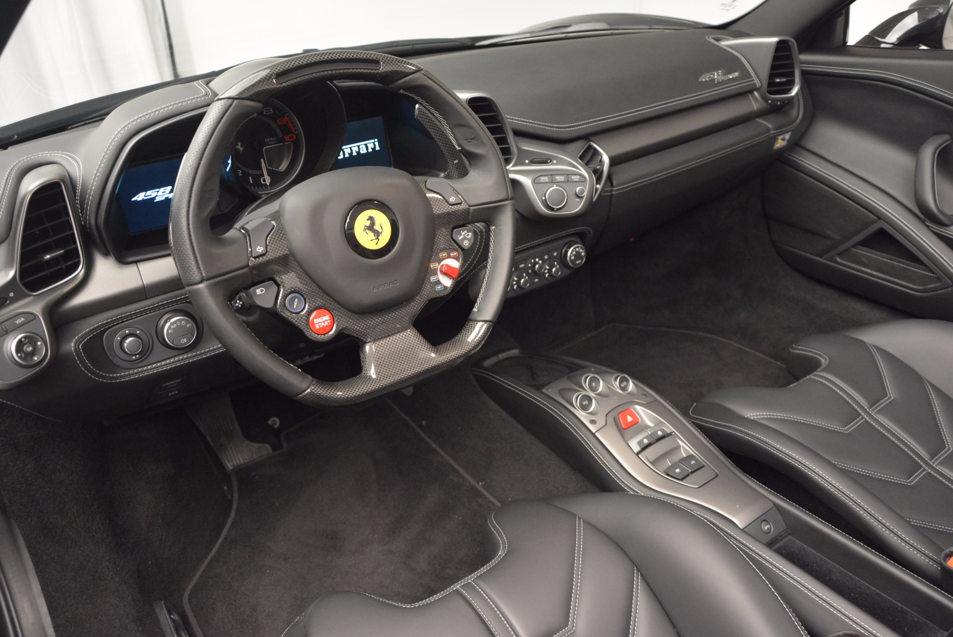 Used 2015 Ferrari 458 Spider  For Sale In Greenwich, CT 660_p25