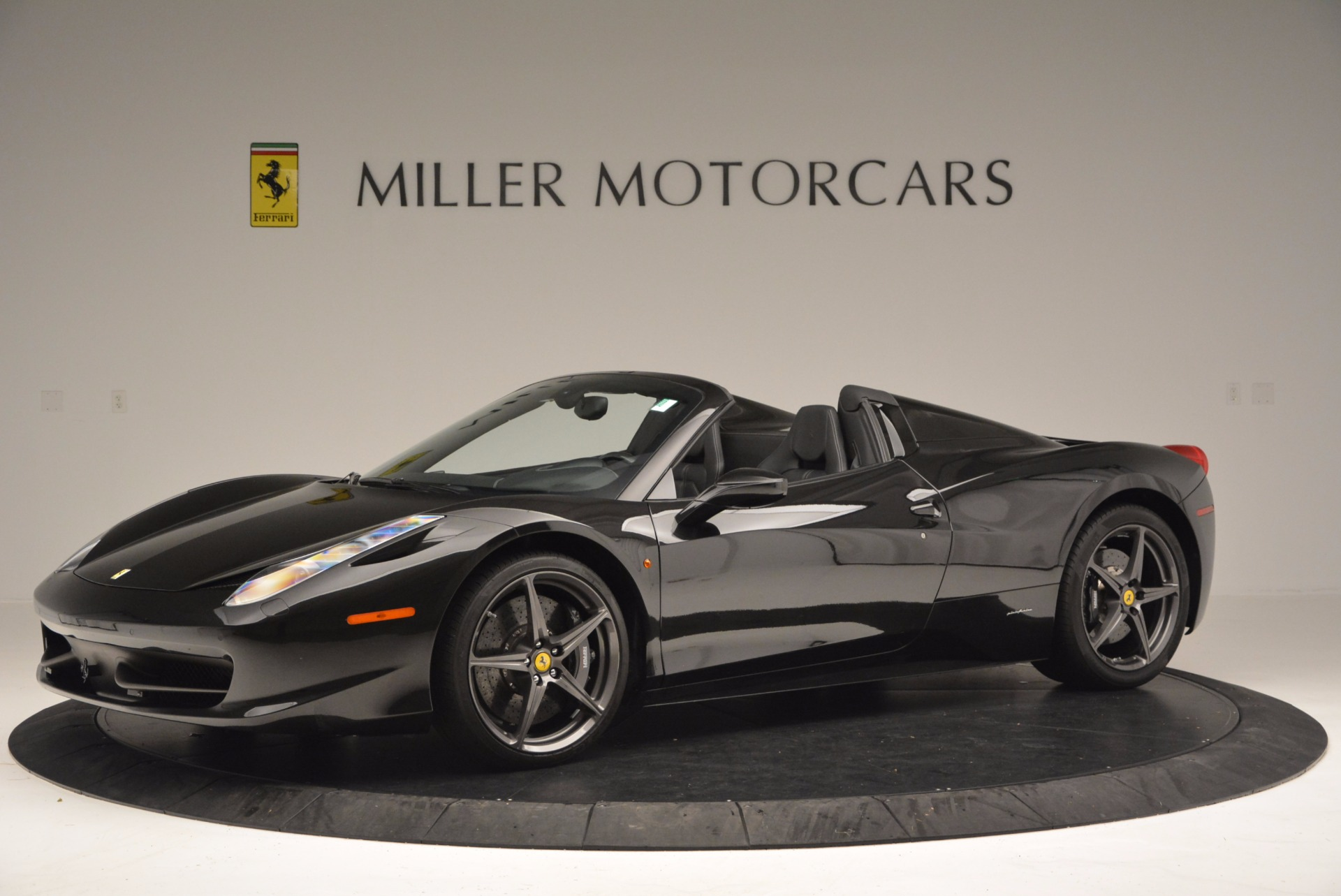 Used 2015 Ferrari 458 Spider  For Sale In Greenwich, CT 660_p2