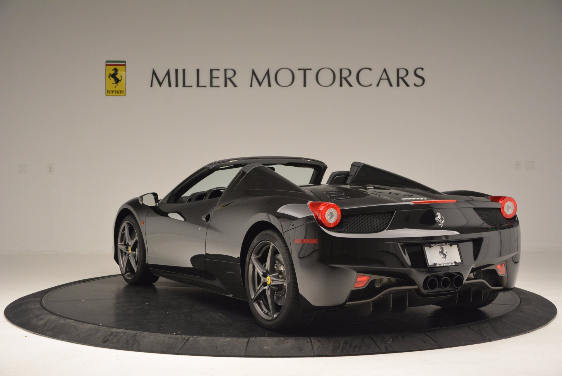 Used 2015 Ferrari 458 Spider  For Sale In Greenwich, CT 660_p5