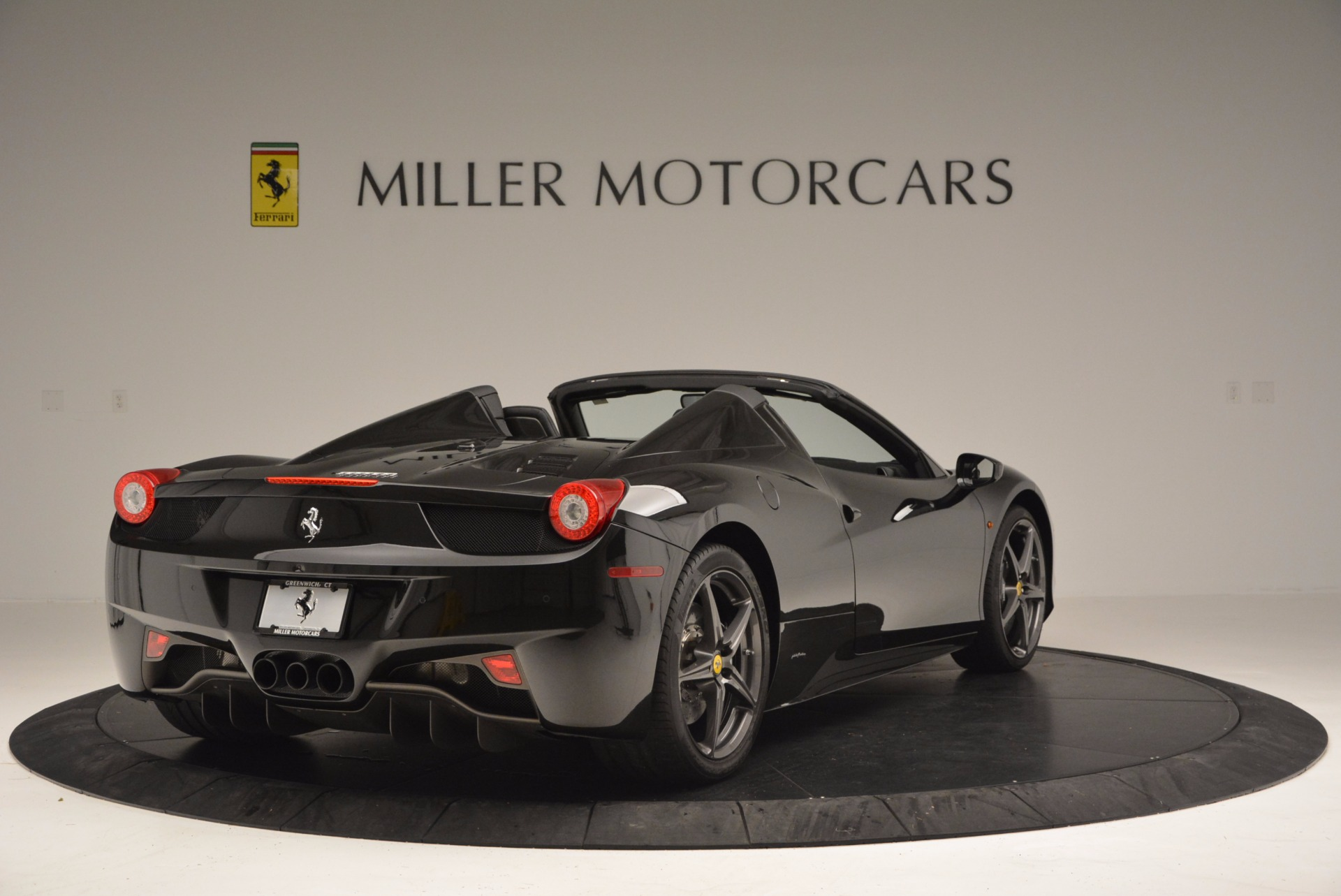 Used 2015 Ferrari 458 Spider  For Sale In Greenwich, CT 660_p7