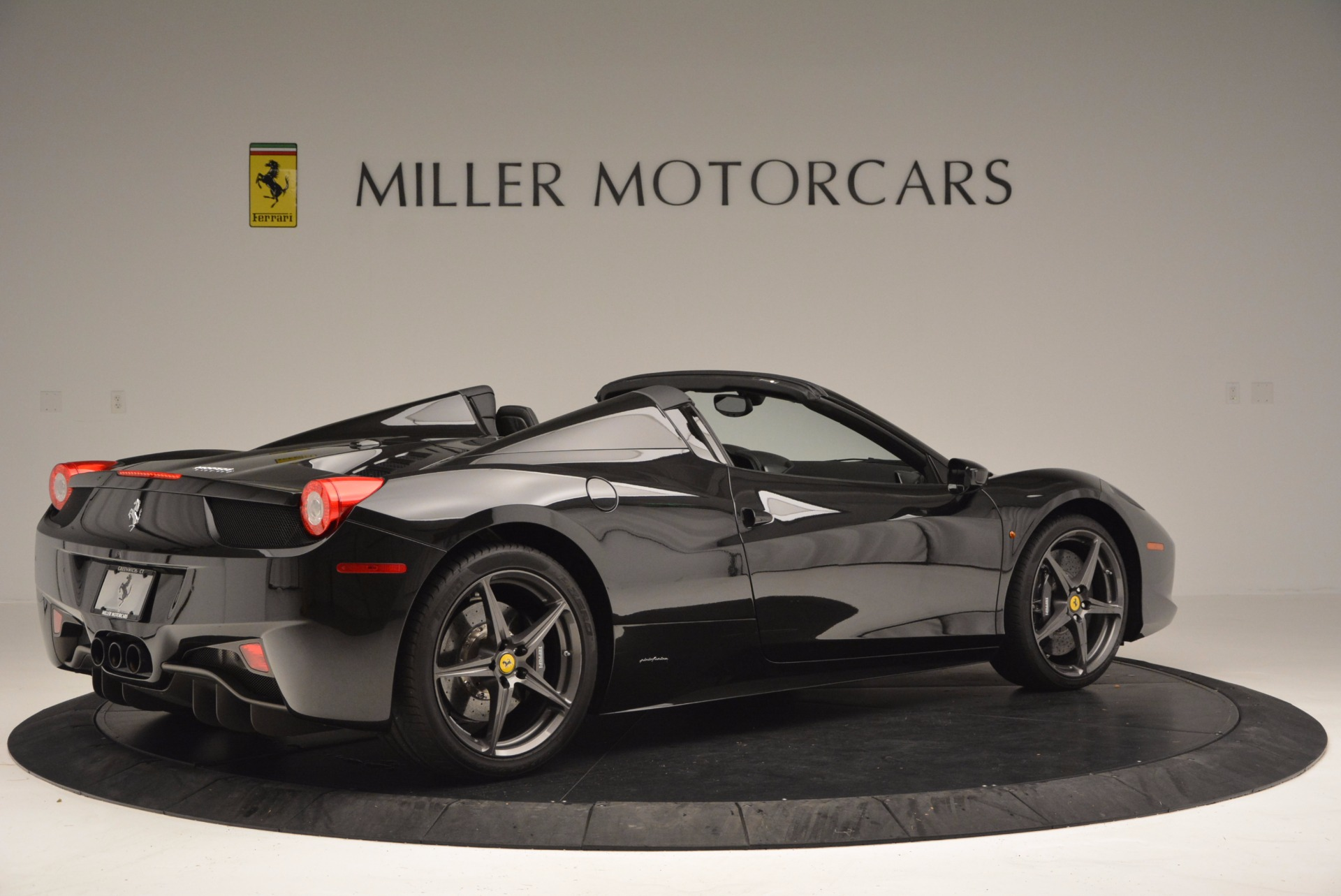 Used 2015 Ferrari 458 Spider  For Sale In Greenwich, CT 660_p8