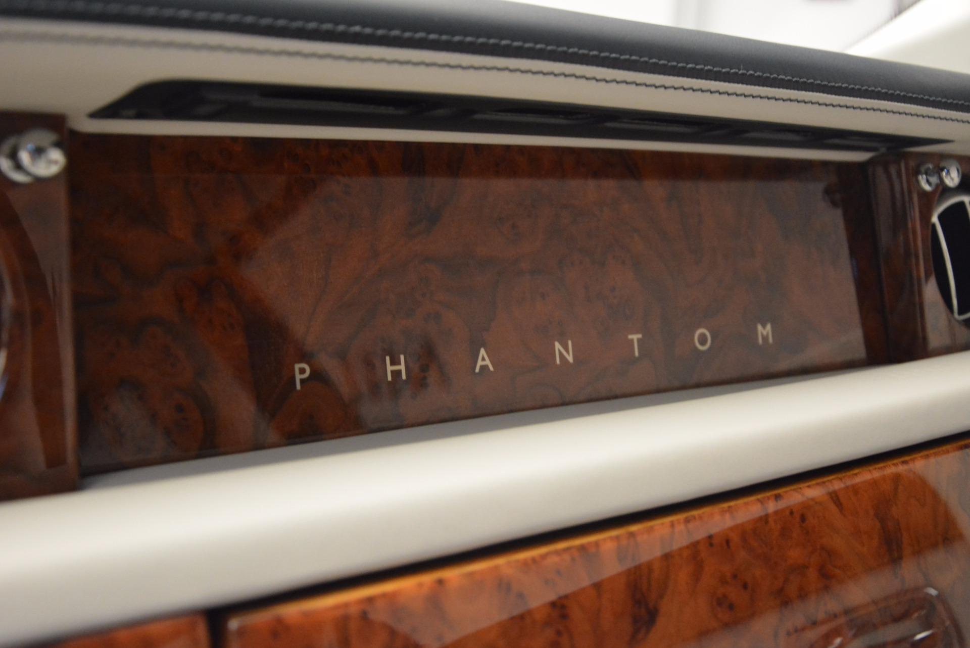 Used 2011 Rolls-Royce Phantom  For Sale In Greenwich, CT 661_p15