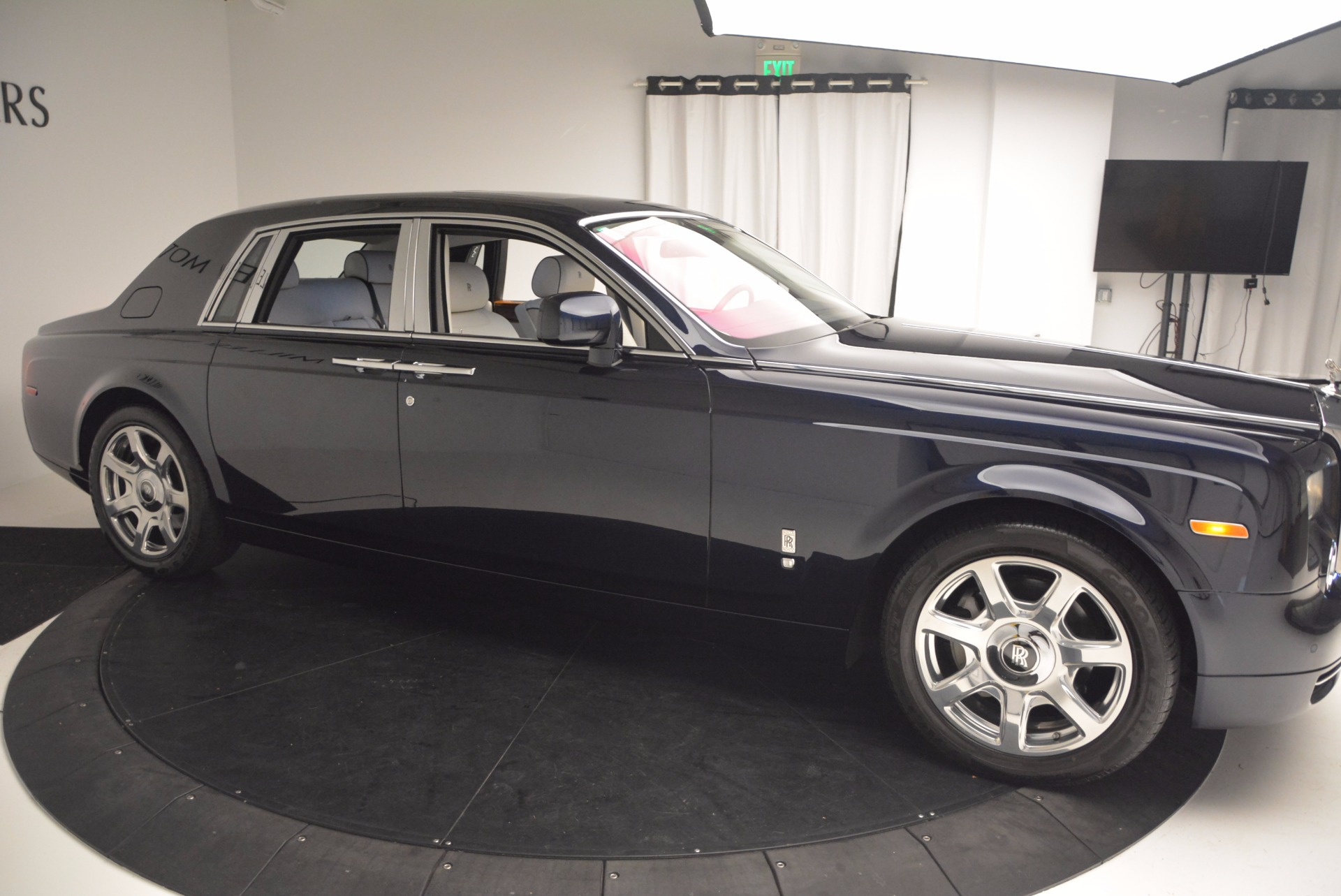 Used 2011 Rolls-Royce Phantom  For Sale In Greenwich, CT 661_p7