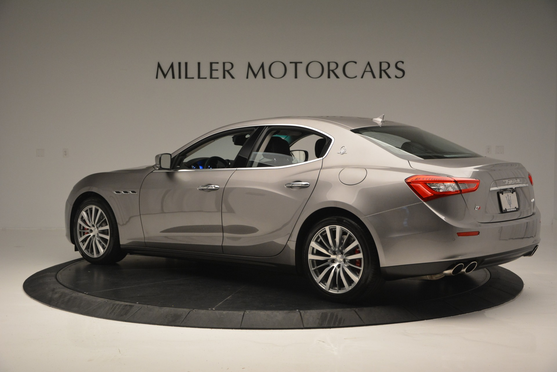 Used 2016 Maserati Ghibli S Q4  EX- LOANER For Sale In Greenwich, CT 668_p4