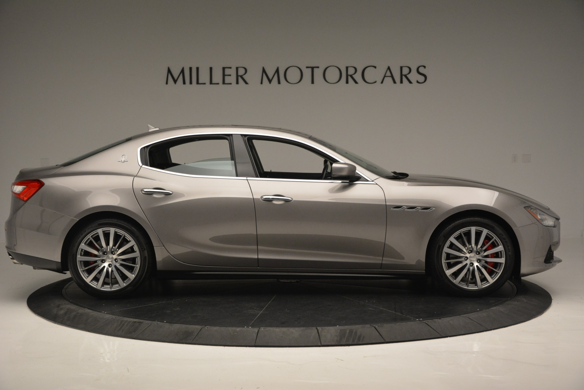 Used 2016 Maserati Ghibli S Q4  EX- LOANER For Sale In Greenwich, CT 668_p9