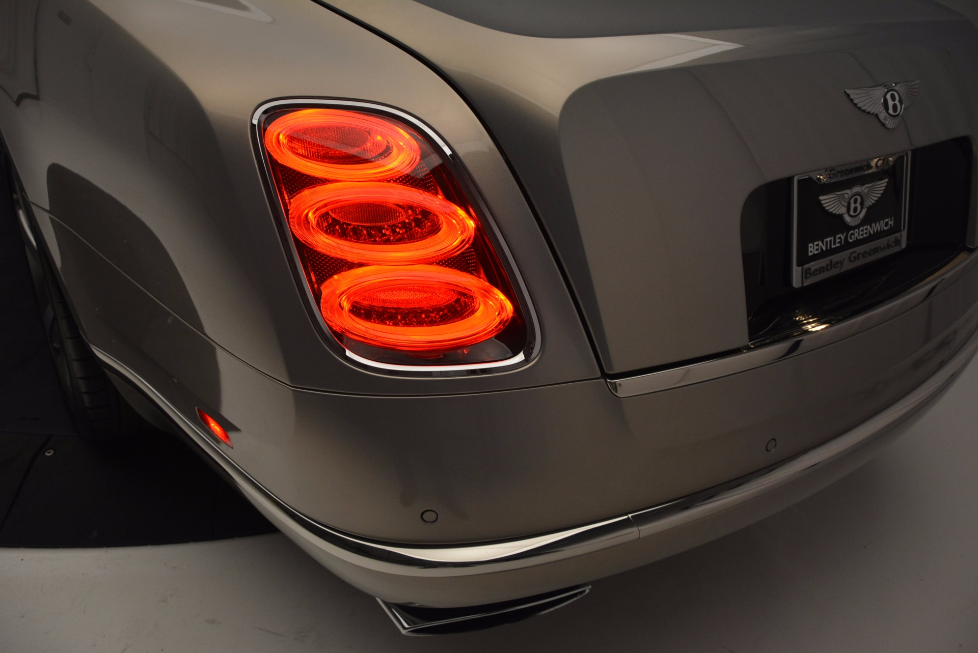 Used 2016 Bentley Mulsanne Speed For Sale In Greenwich, CT 671_p18