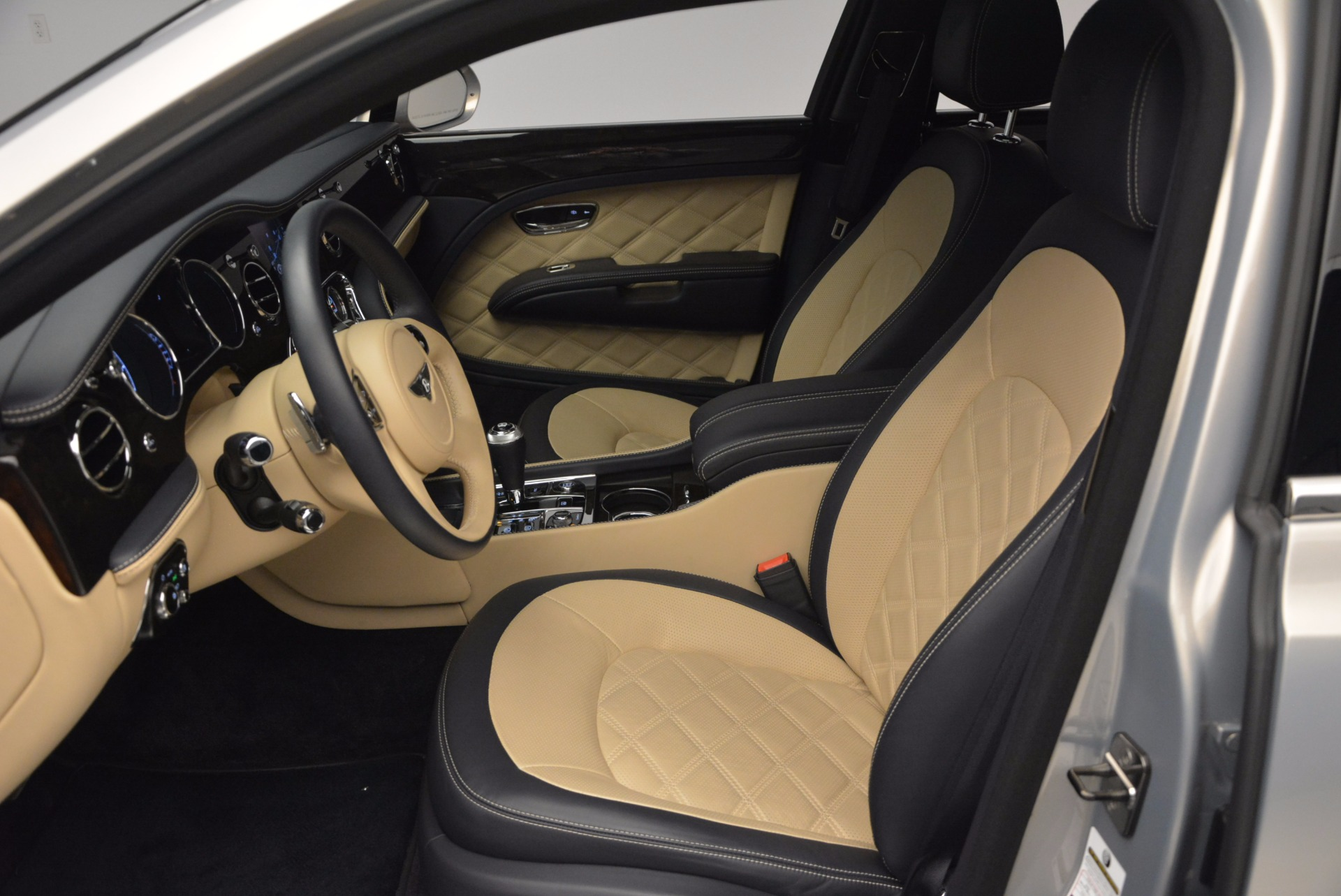 Used 2016 Bentley Mulsanne Speed For Sale In Greenwich, CT 671_p25
