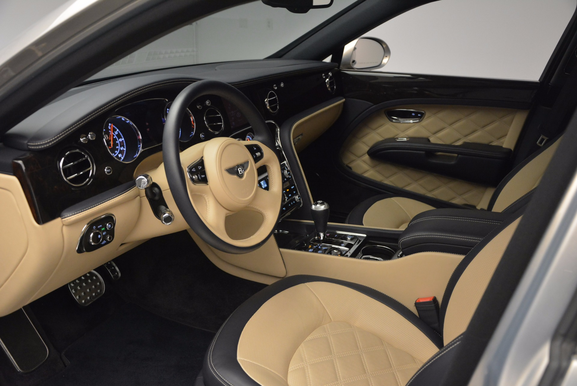 Used 2016 Bentley Mulsanne Speed For Sale In Greenwich, CT 671_p26