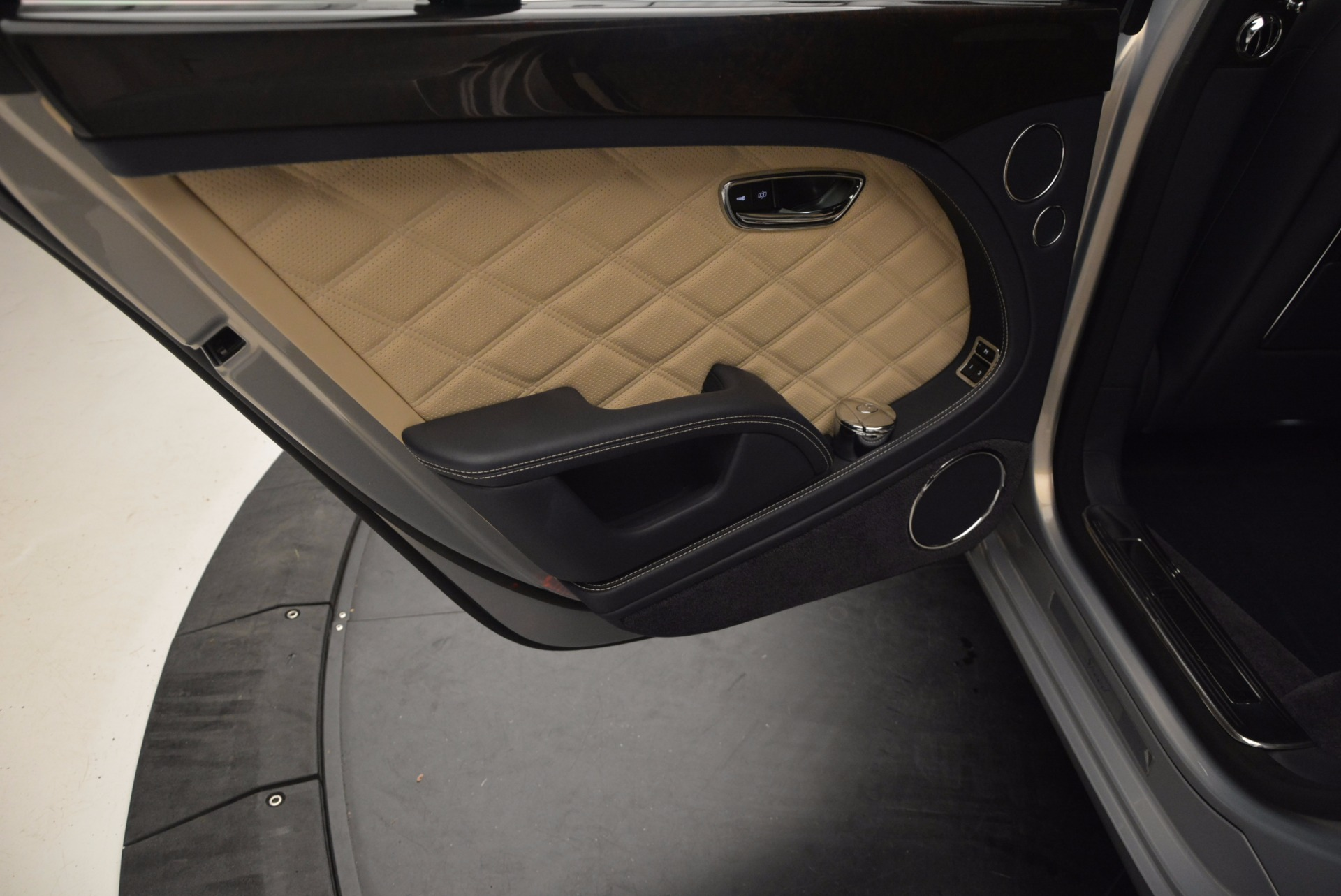 Used 2016 Bentley Mulsanne Speed For Sale In Greenwich, CT 671_p31