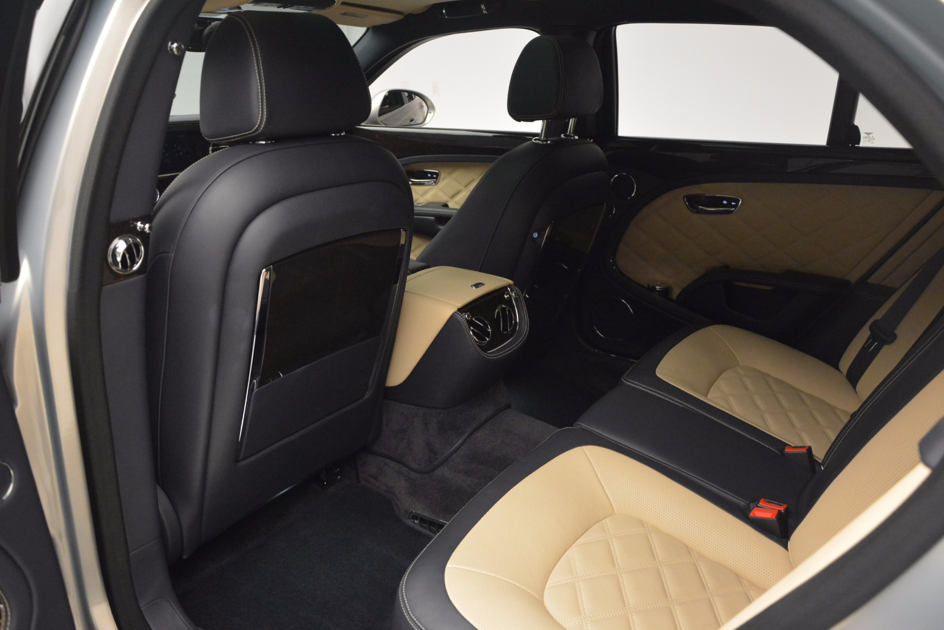 Used 2016 Bentley Mulsanne Speed For Sale In Greenwich, CT 671_p34