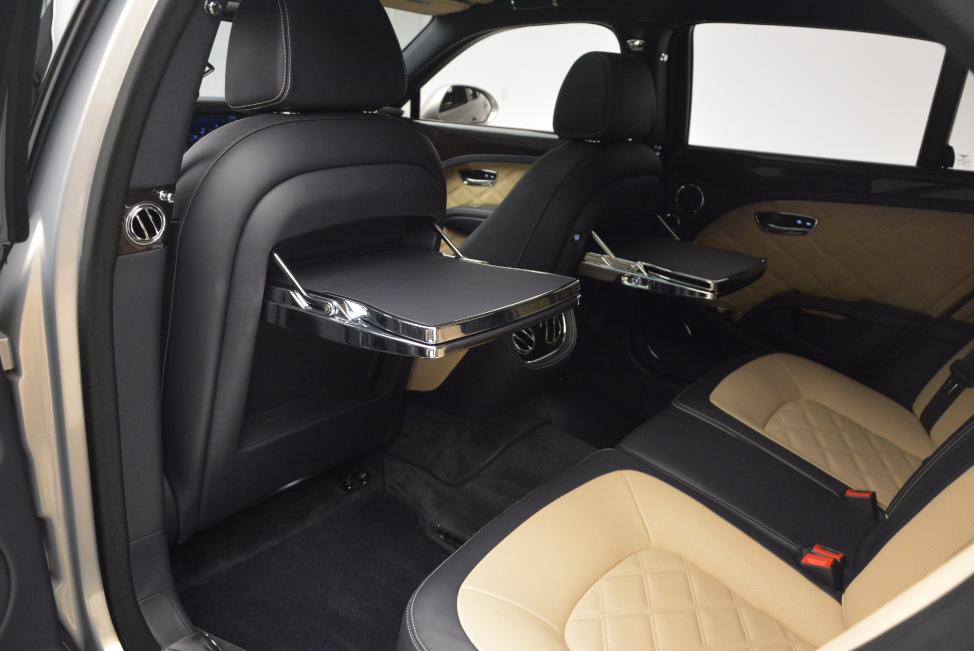 Used 2016 Bentley Mulsanne Speed For Sale In Greenwich, CT 671_p35
