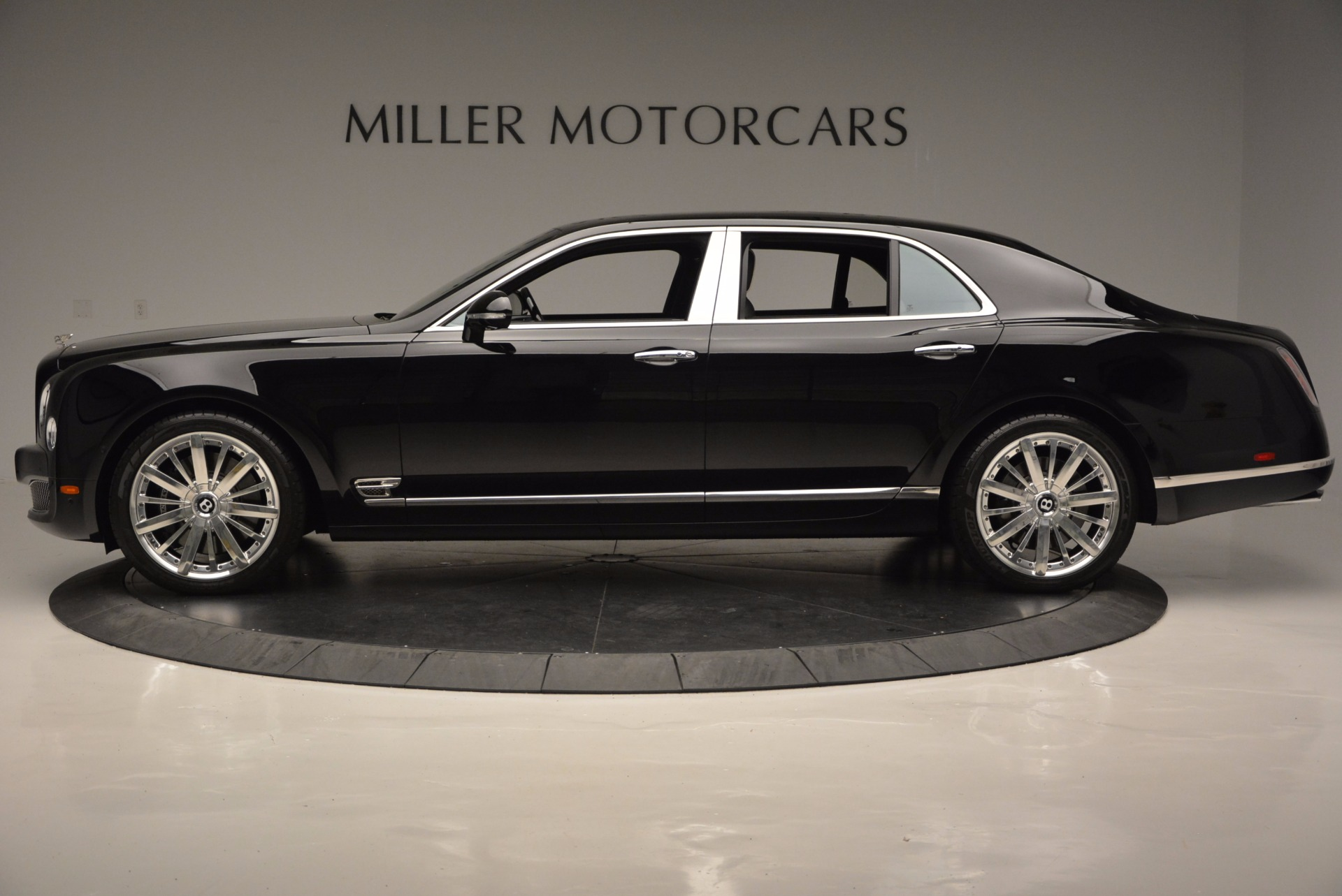 Used 2016 Bentley Mulsanne  For Sale In Greenwich, CT 672_p3
