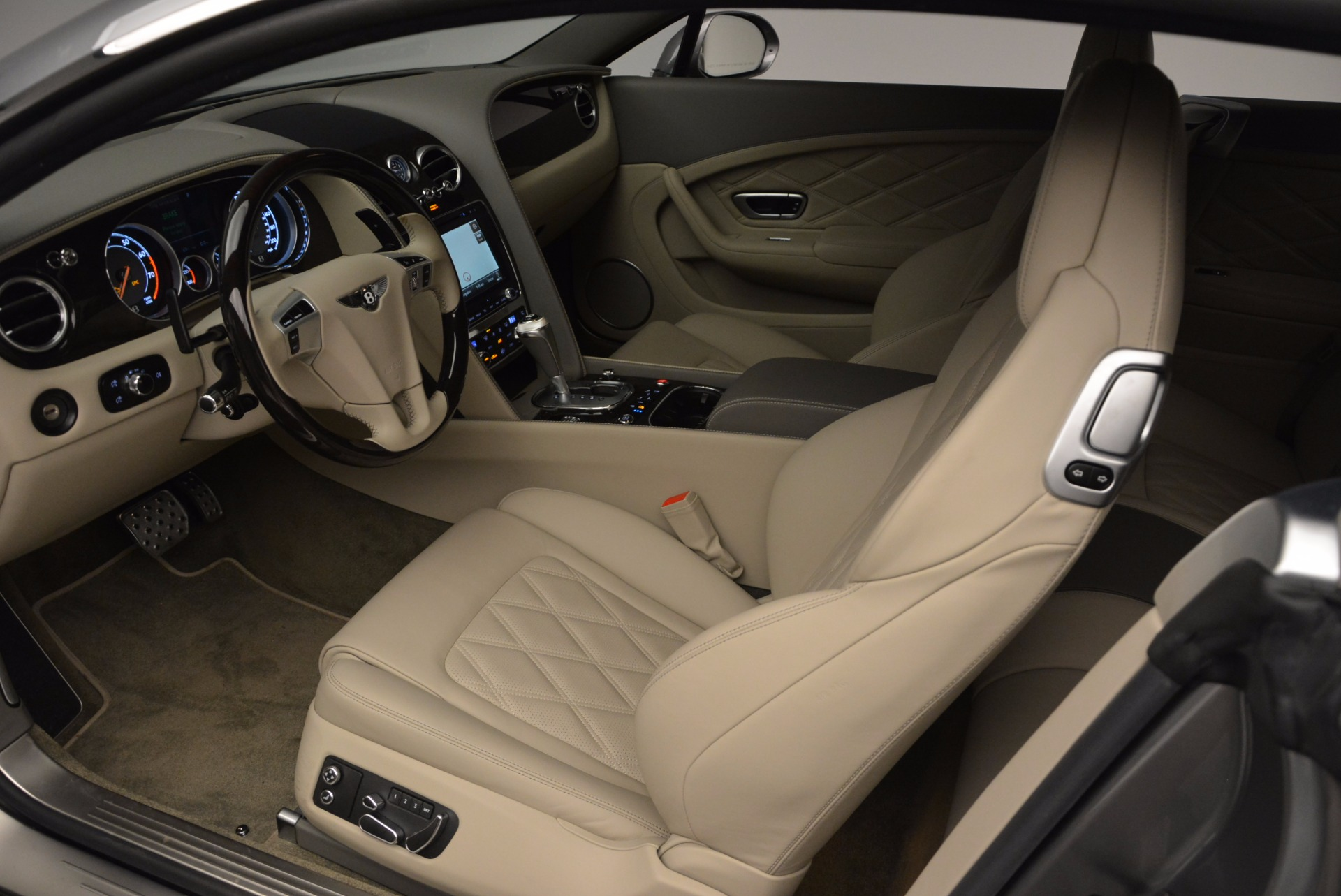 Used 2014 Bentley Continental GT V8  For Sale In Greenwich, CT 673_p21