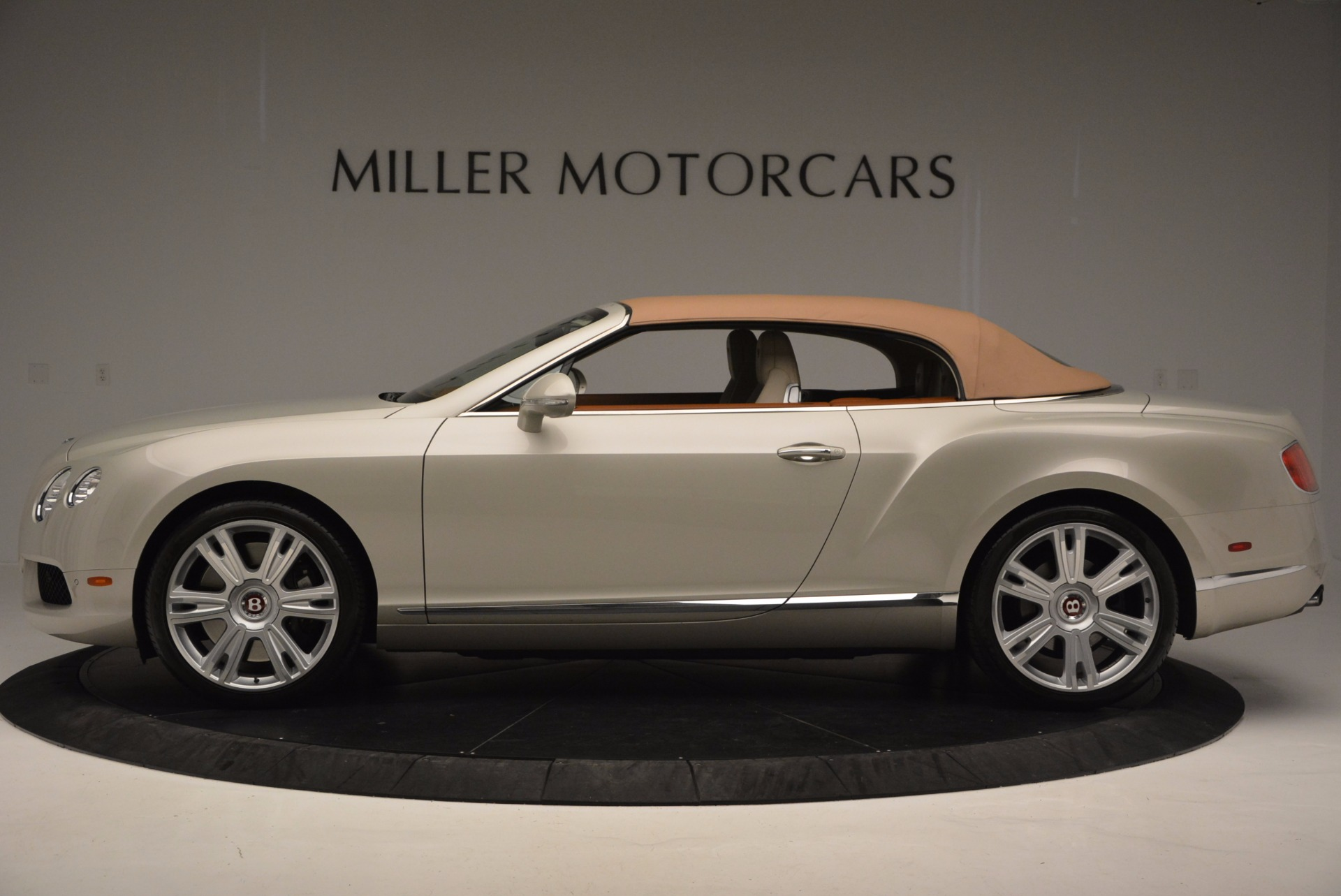 Used 2013 Bentley Continental GTC V8  For Sale In Greenwich, CT 675_p16