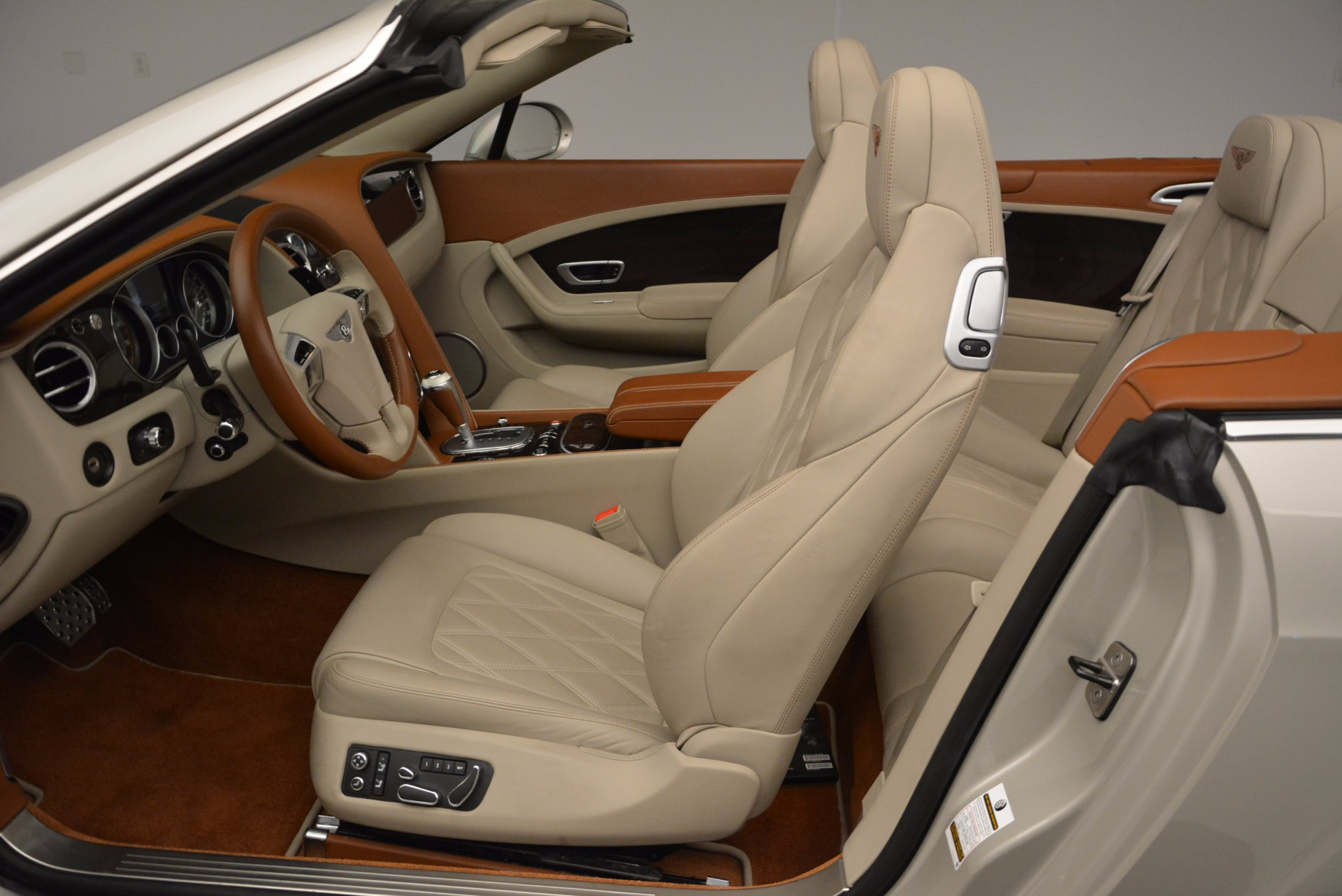 Used 2013 Bentley Continental GTC V8  For Sale In Greenwich, CT 675_p33