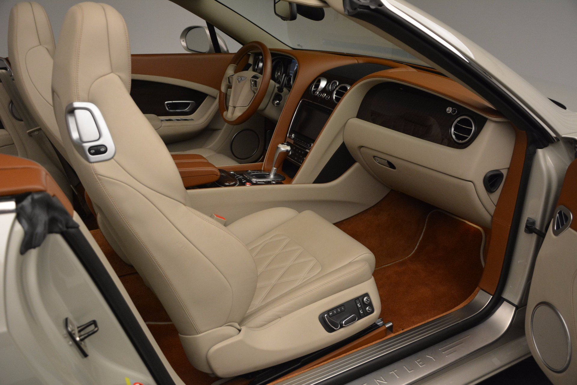 Used 2013 Bentley Continental GTC V8  For Sale In Greenwich, CT 675_p44