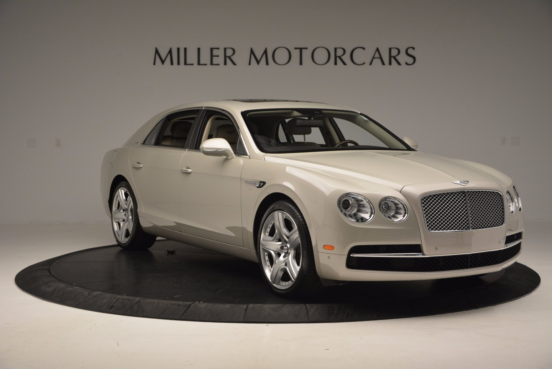 Used 2015 Bentley Flying Spur W12  For Sale In Greenwich, CT 694_p11