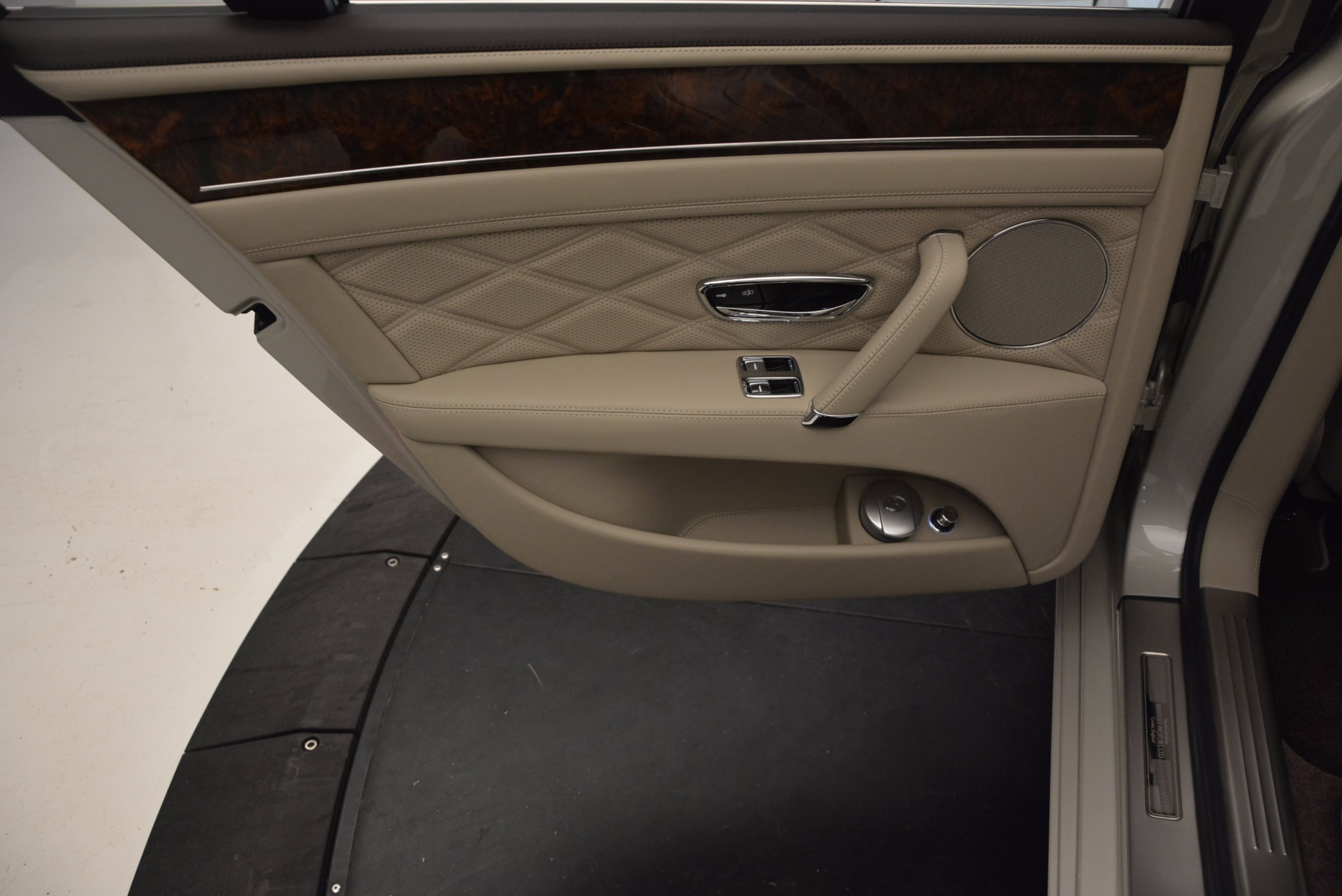 Used 2015 Bentley Flying Spur W12  For Sale In Greenwich, CT 694_p27