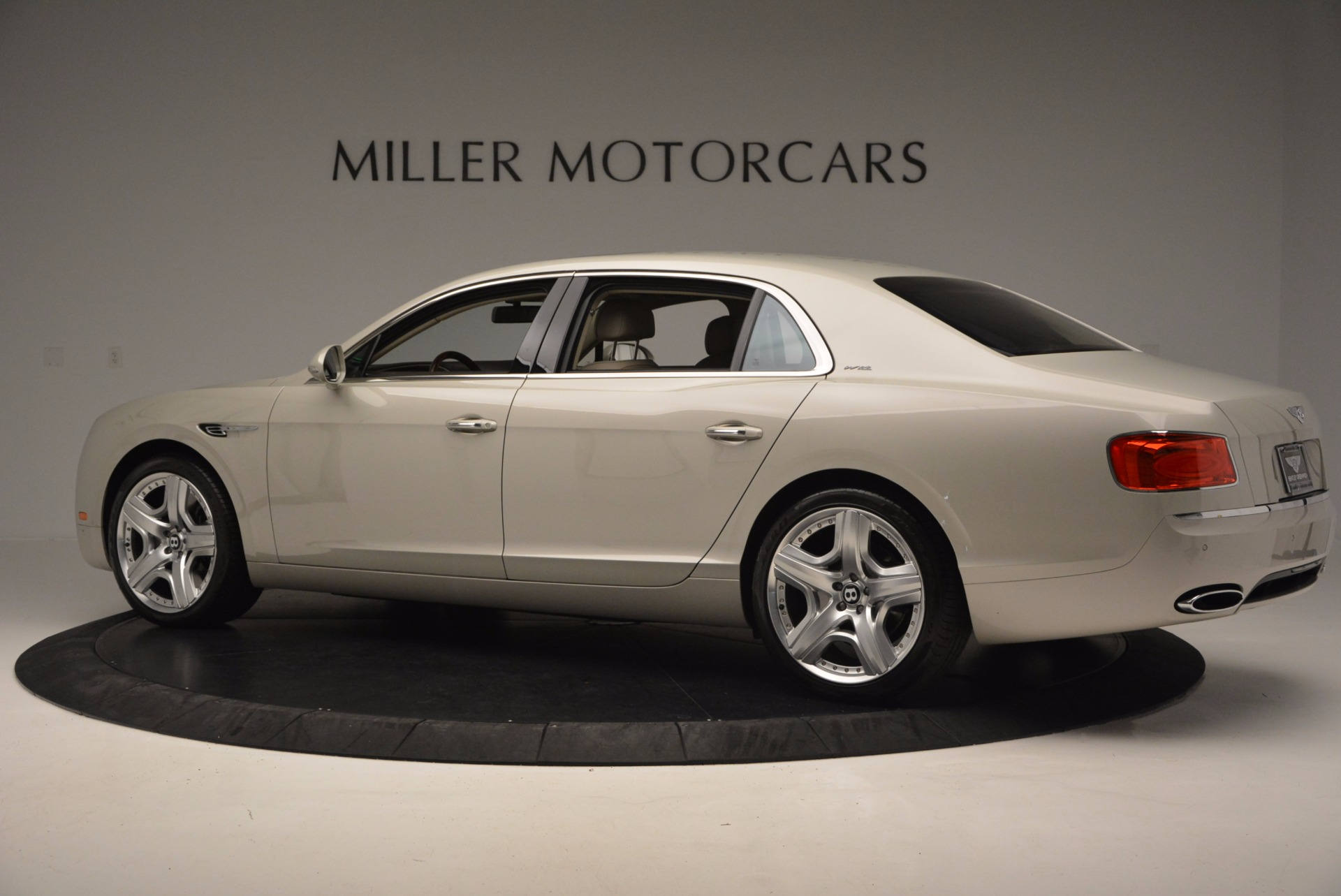 Used 2015 Bentley Flying Spur W12  For Sale In Greenwich, CT 694_p4