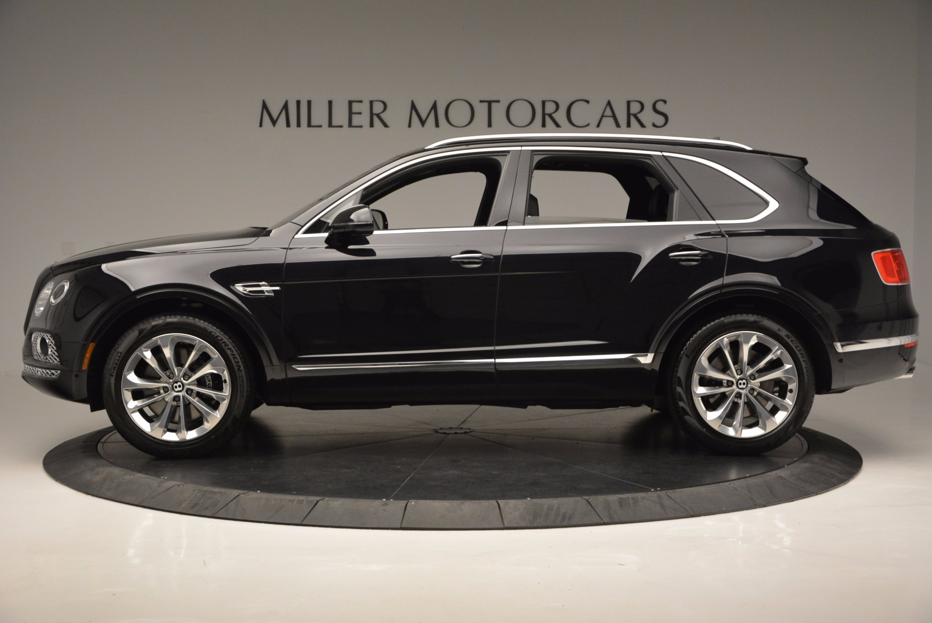 Used 2017 Bentley Bentayga W12 For Sale In Greenwich, CT 696_p3