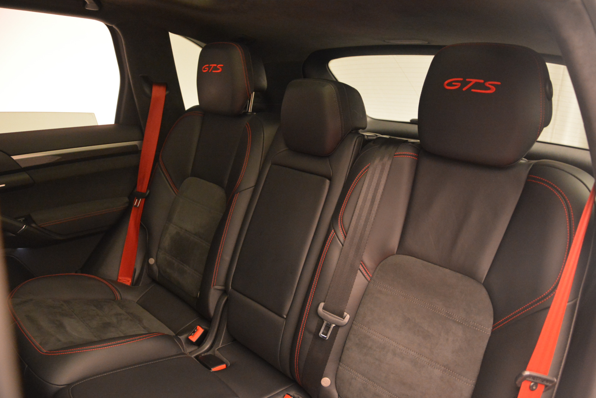 Used 2014 Porsche Cayenne GTS For Sale In Greenwich, CT 697_p24