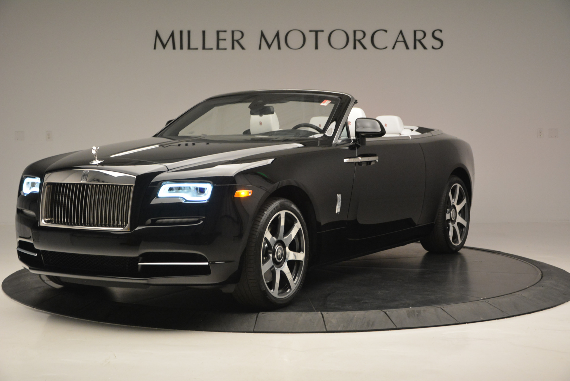 New 2017 Rolls-Royce Dawn  For Sale In Greenwich, CT 698_p2