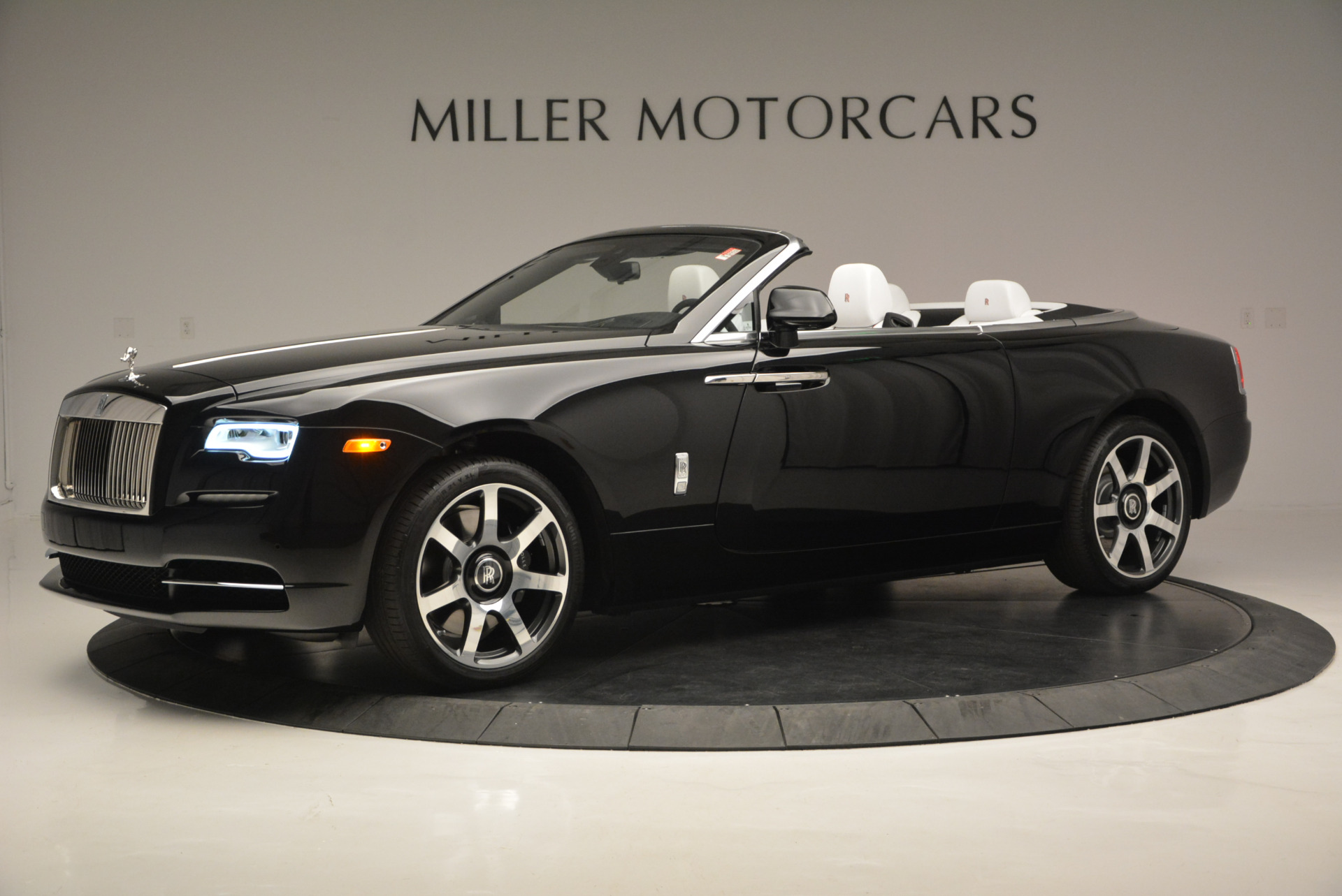 New 2017 Rolls-Royce Dawn  For Sale In Greenwich, CT 698_p3
