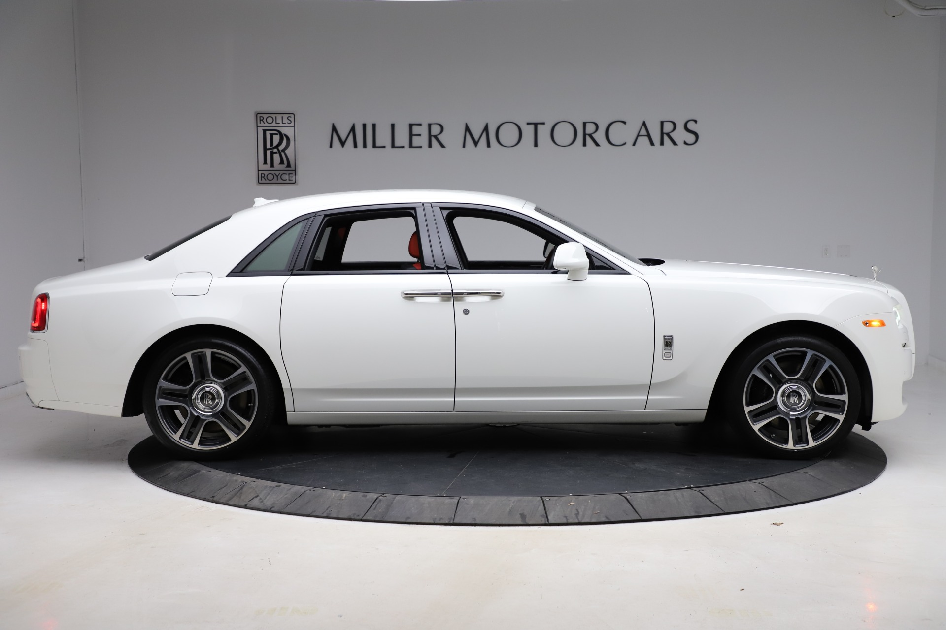 New 2017 Rolls-Royce Ghost  For Sale In Greenwich, CT 699_p10